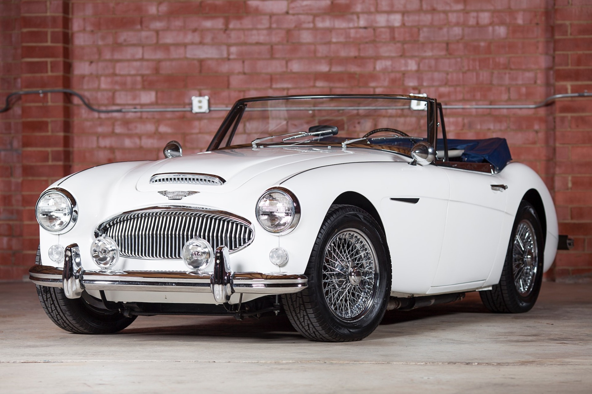 Used 1967 Austin Healey 3000 BJ8 Mk III CONVERTIBLE / 2.9L IN-LINE 6 / 4-SPEED MANUAL / FULLY RESTORED for sale Call for price at Formula Imports in Charlotte NC 28227 10