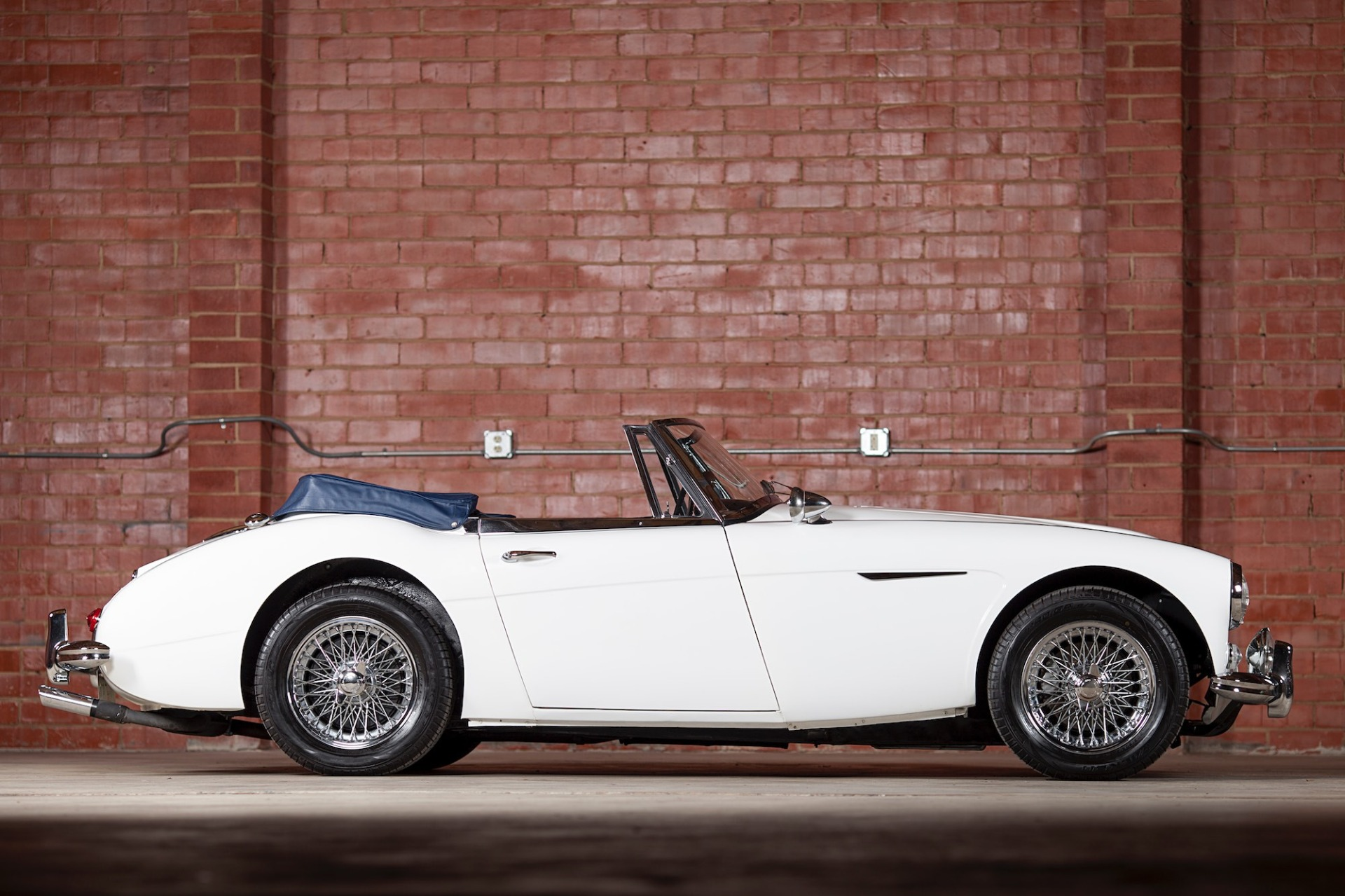Used 1967 Austin Healey 3000 BJ8 Mk III CONVERTIBLE / 2.9L IN-LINE 6 / 4-SPEED MANUAL / FULLY RESTORED for sale Call for price at Formula Imports in Charlotte NC 28227 4