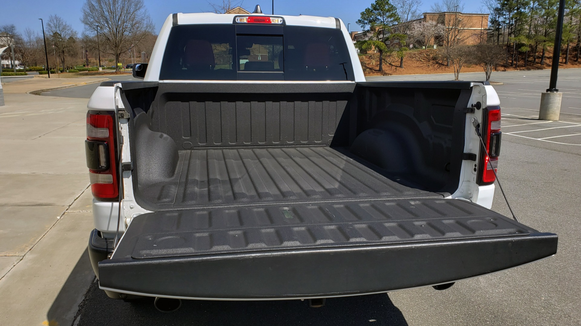 Used 2019 Ram 1500 REBEL CREWCAB 4X4 / 5.7L V8 HEMI / 8-SPD AUTO / REARVIEW for sale Sold at Formula Imports in Charlotte NC 28227 18
