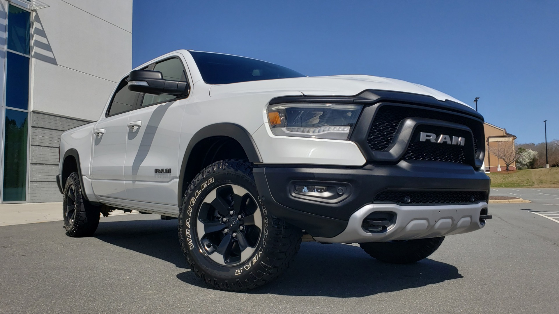 Used 2019 Ram 1500 REBEL CREWCAB 4X4 / 5.7L V8 HEMI / 8-SPD AUTO / REARVIEW for sale Sold at Formula Imports in Charlotte NC 28227 2