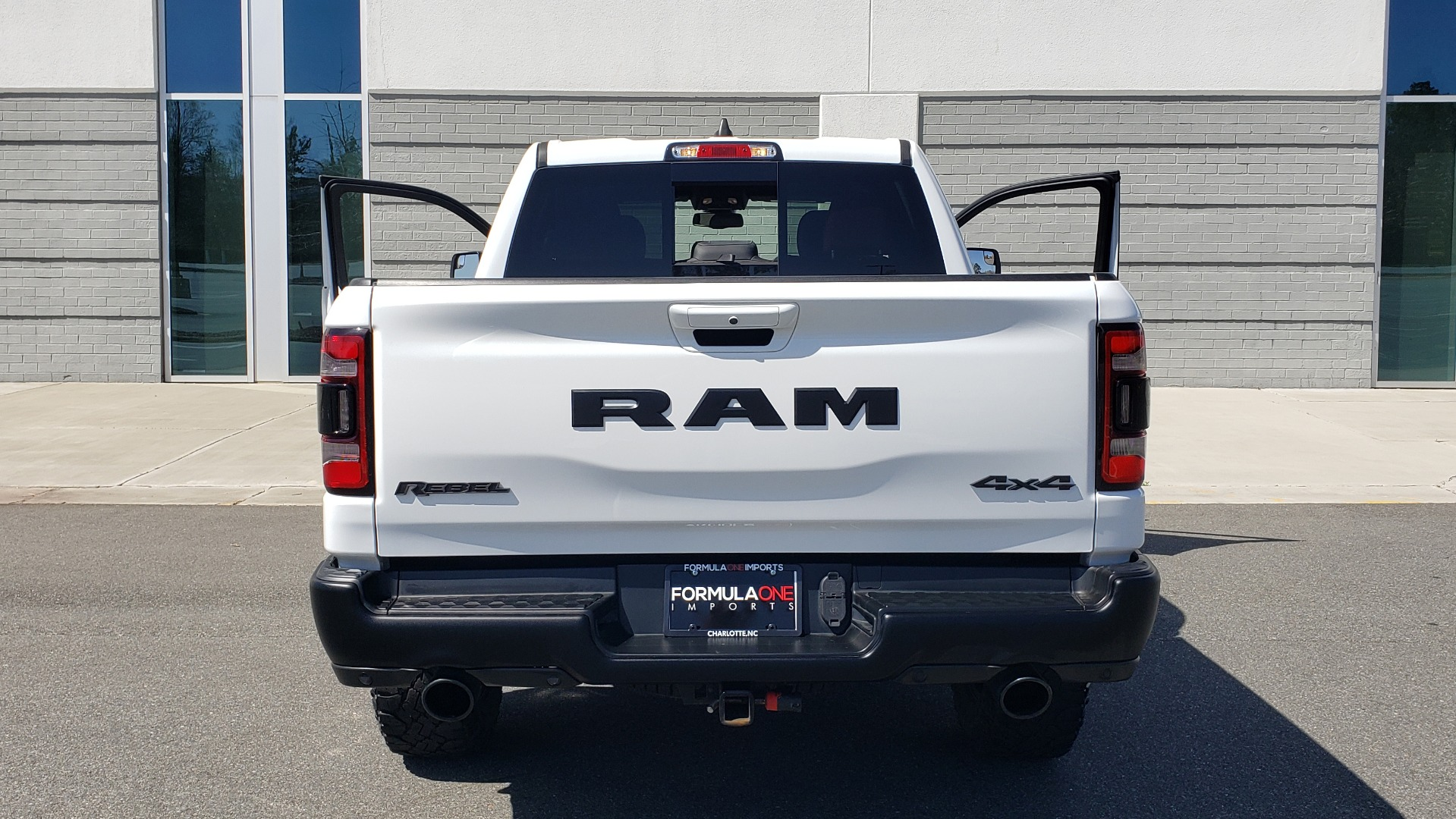 Used 2019 Ram 1500 REBEL CREWCAB 4X4 / 5.7L V8 HEMI / 8-SPD AUTO / REARVIEW for sale Sold at Formula Imports in Charlotte NC 28227 27