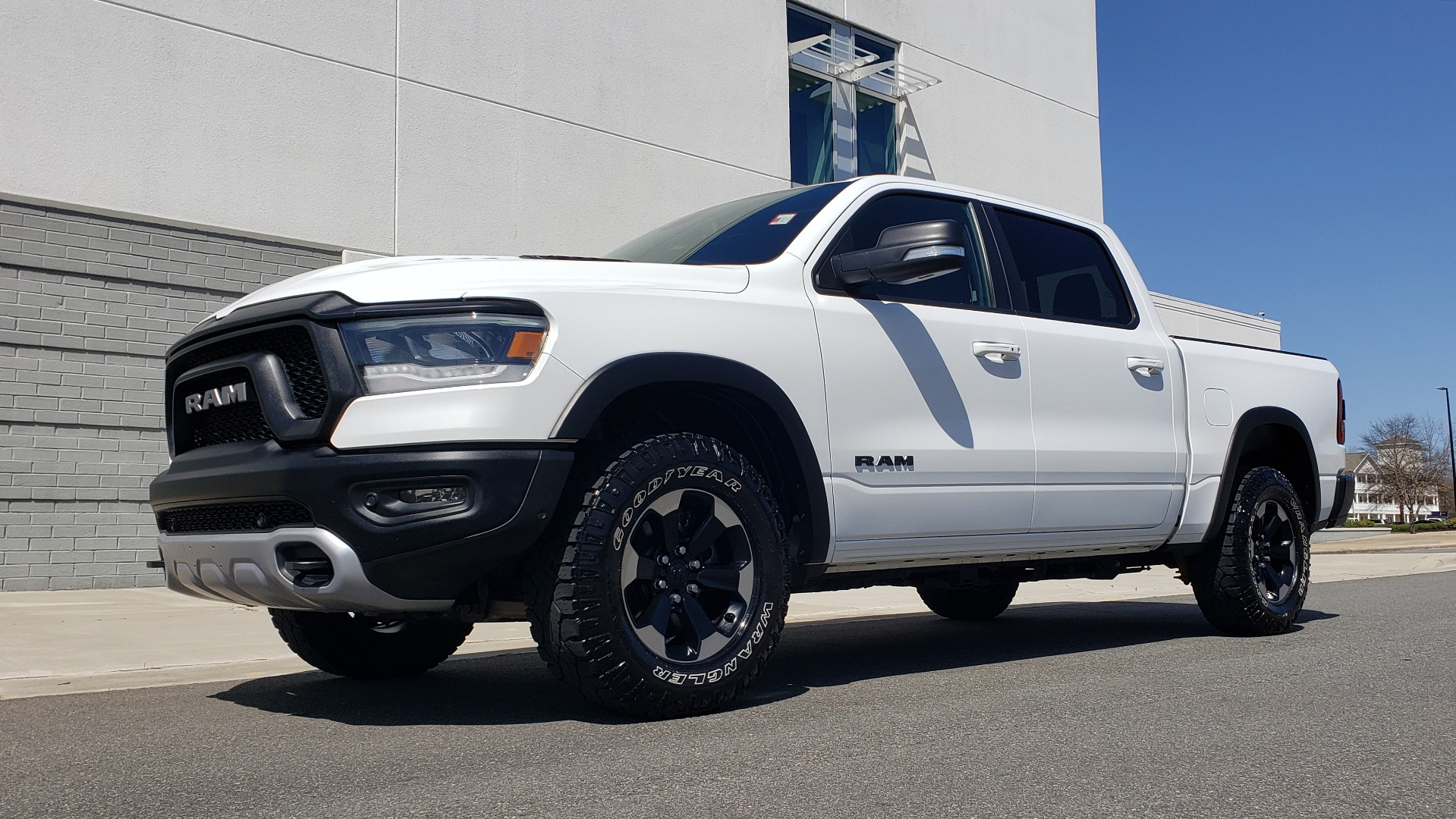 Used 2019 Ram 1500 REBEL CREWCAB 4X4 / 5.7L V8 HEMI / 8-SPD AUTO / REARVIEW for sale Sold at Formula Imports in Charlotte NC 28227 3