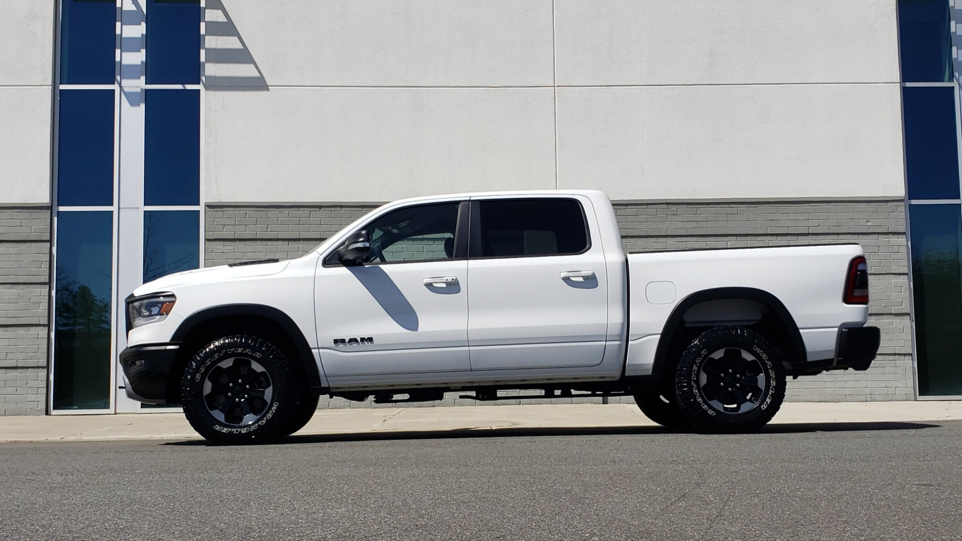 Used 2019 Ram 1500 REBEL CREWCAB 4X4 / 5.7L V8 HEMI / 8-SPD AUTO / REARVIEW for sale Sold at Formula Imports in Charlotte NC 28227 4