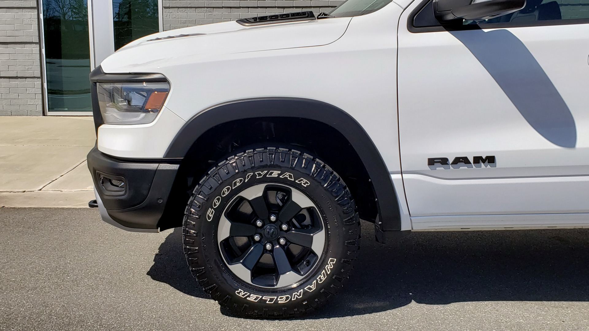 Used 2019 Ram 1500 REBEL CREWCAB 4X4 / 5.7L V8 HEMI / 8-SPD AUTO / REARVIEW for sale Sold at Formula Imports in Charlotte NC 28227 85