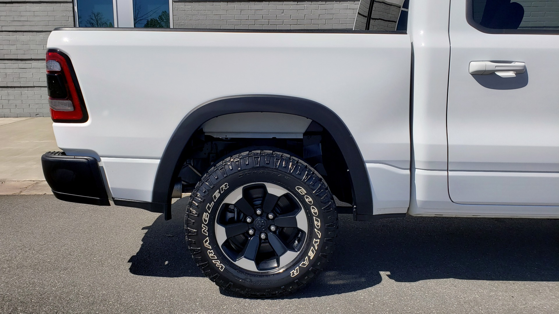 Used 2019 Ram 1500 REBEL CREWCAB 4X4 / 5.7L V8 HEMI / 8-SPD AUTO / REARVIEW for sale Sold at Formula Imports in Charlotte NC 28227 87