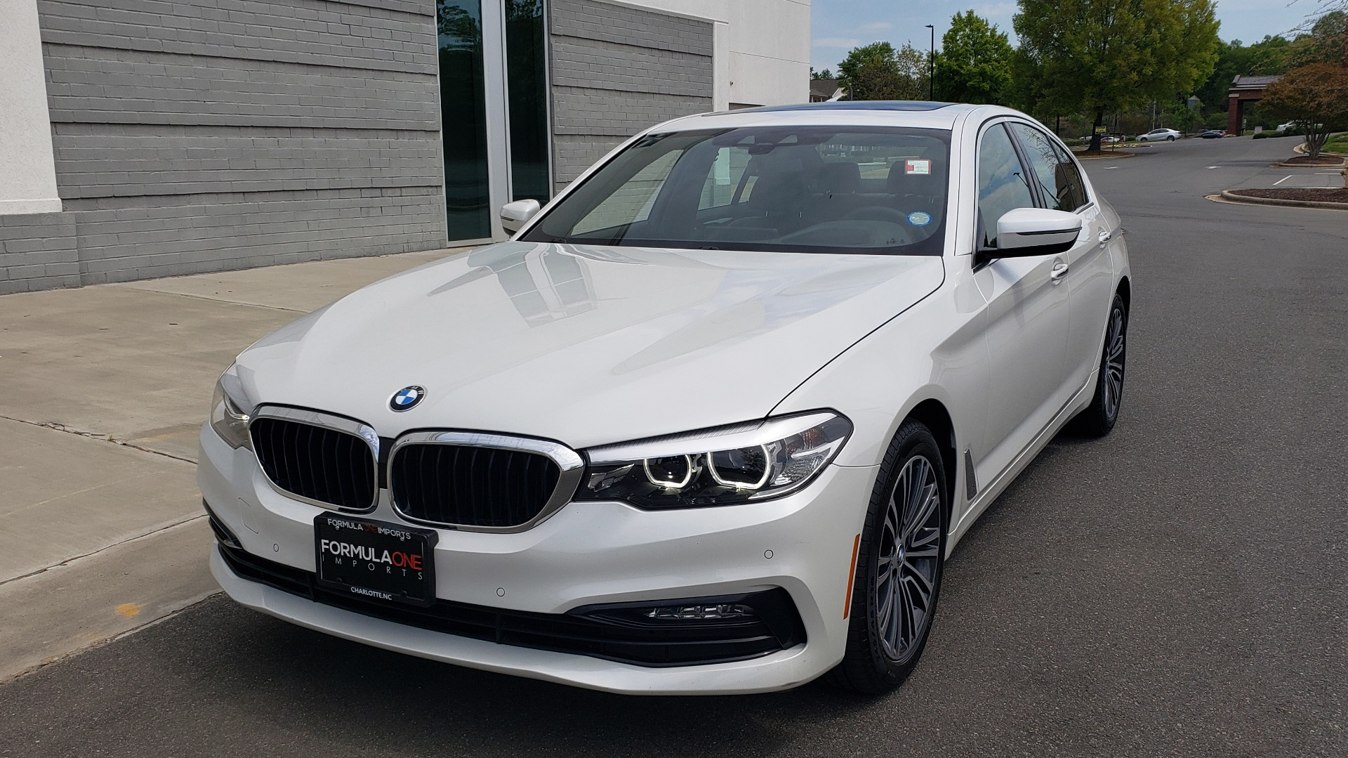Used 2018 BMW 5 SERIES 530I XDRIVE PREMIUM / NAV / DRVR ASST / PARK ASST / H/K SND for sale $32,795 at Formula Imports in Charlotte NC 28227 2