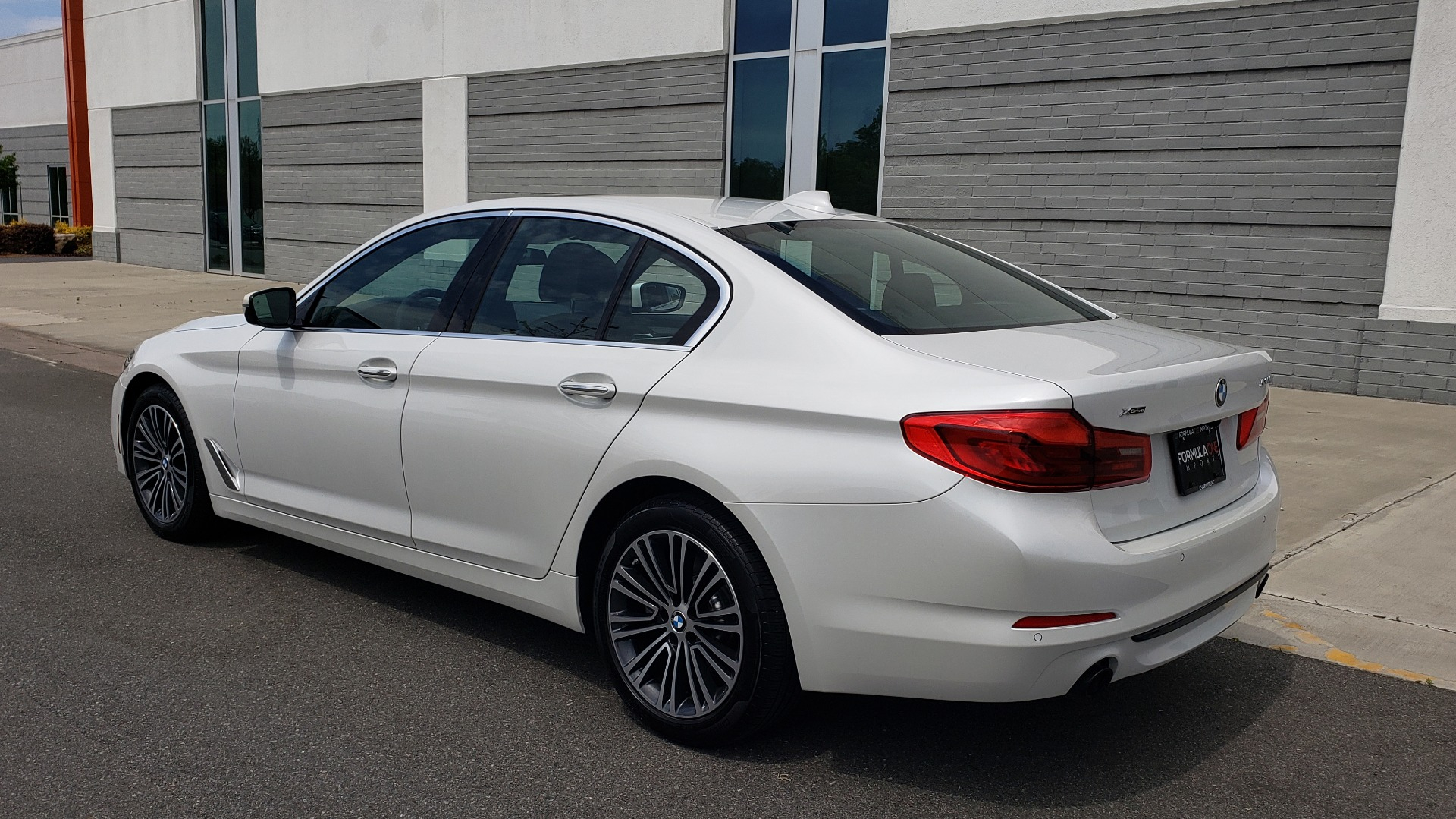 Used 2018 BMW 5 SERIES 530I XDRIVE PREMIUM / NAV / DRVR ASST / PARK ASST / H/K SND for sale $32,795 at Formula Imports in Charlotte NC 28227 5