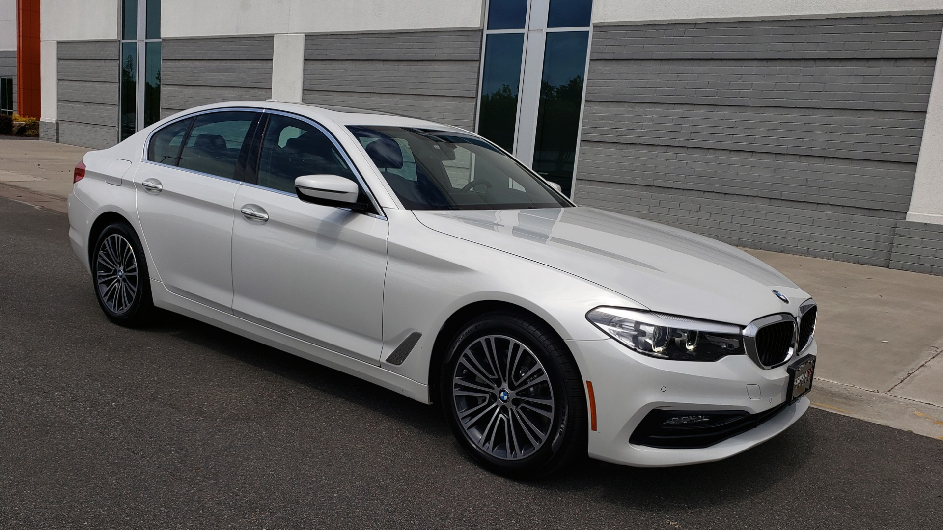 Used 2018 BMW 5 SERIES 530I XDRIVE PREMIUM / NAV / DRVR ASST / PARK ASST / H/K SND for sale $32,795 at Formula Imports in Charlotte NC 28227 9