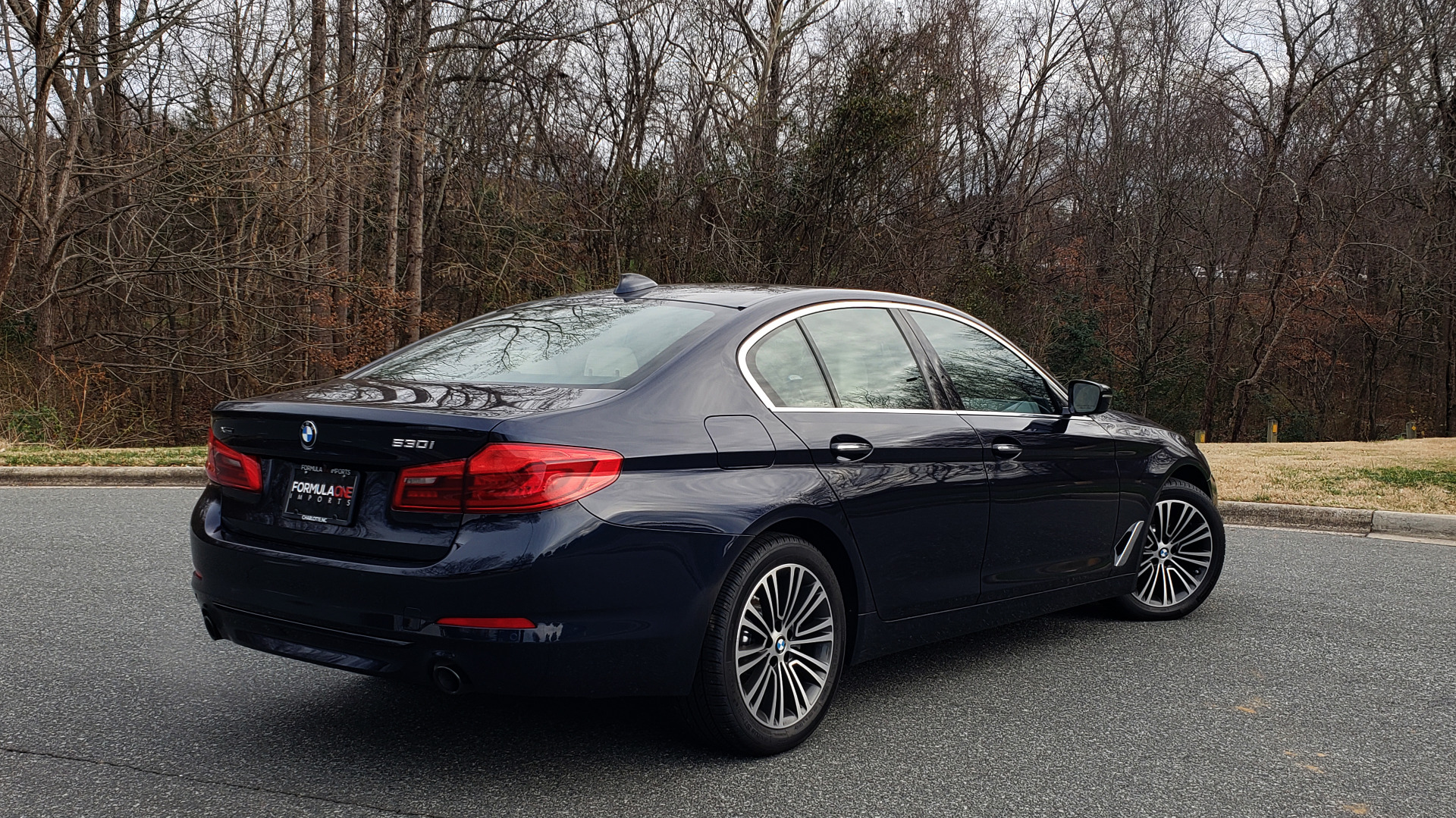 Used 2017 BMW 5 SERIES 530i XDRIVE / SPORTLINE / NAV / SNRF / HTD STS / REARVIEW for sale Sold at Formula Imports in Charlotte NC 28227 10