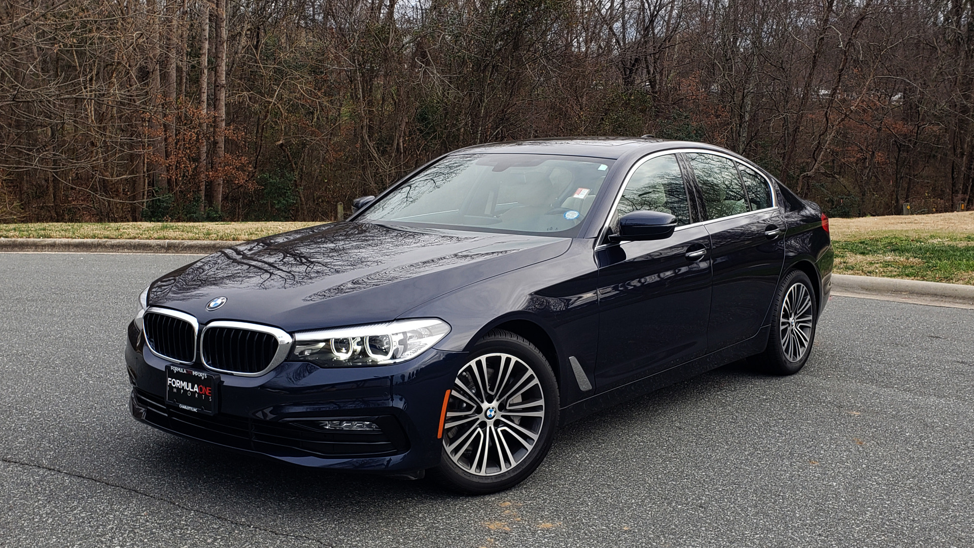 Used 2017 BMW 5 SERIES 530i XDRIVE / SPORTLINE / NAV / SNRF / HTD STS / REARVIEW for sale Sold at Formula Imports in Charlotte NC 28227 1