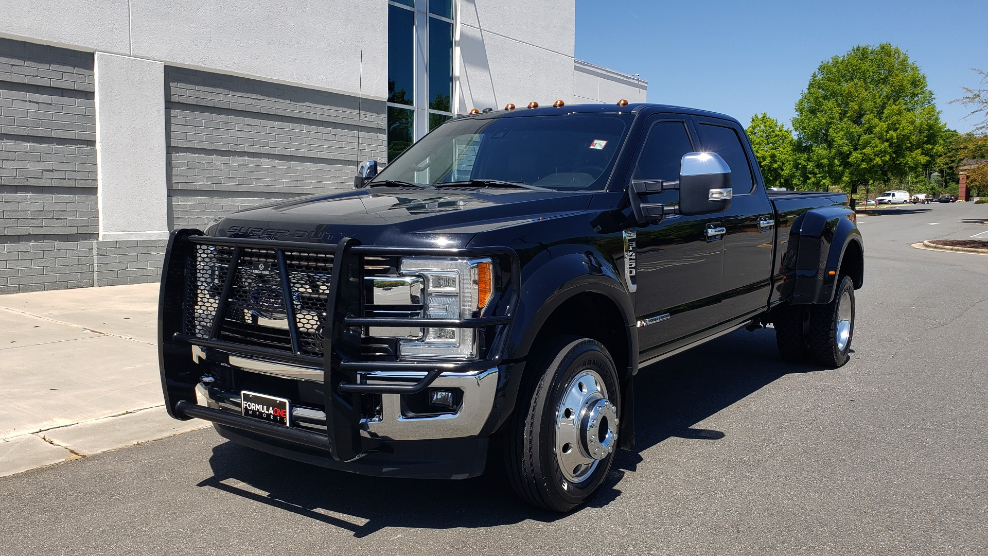 Used 2017 Ford SUPER DUTY F-450 DRW KING RANCH 4X4 / 176IN WB / 6.7L POWER-STROKE / LOADED for sale Sold at Formula Imports in Charlotte NC 28227 2