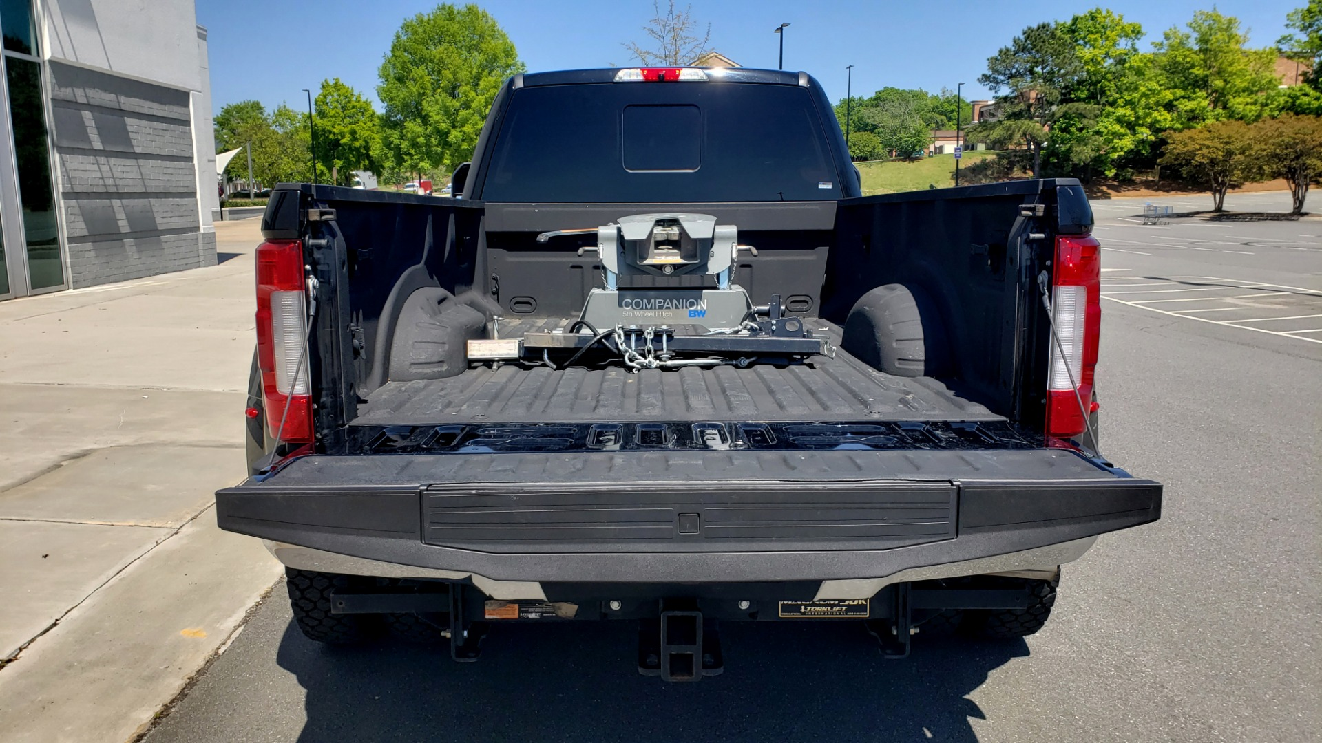 Used 2017 Ford SUPER DUTY F-450 DRW KING RANCH 4X4 / 176IN WB / 6.7L POWER-STROKE / LOADED for sale Sold at Formula Imports in Charlotte NC 28227 21
