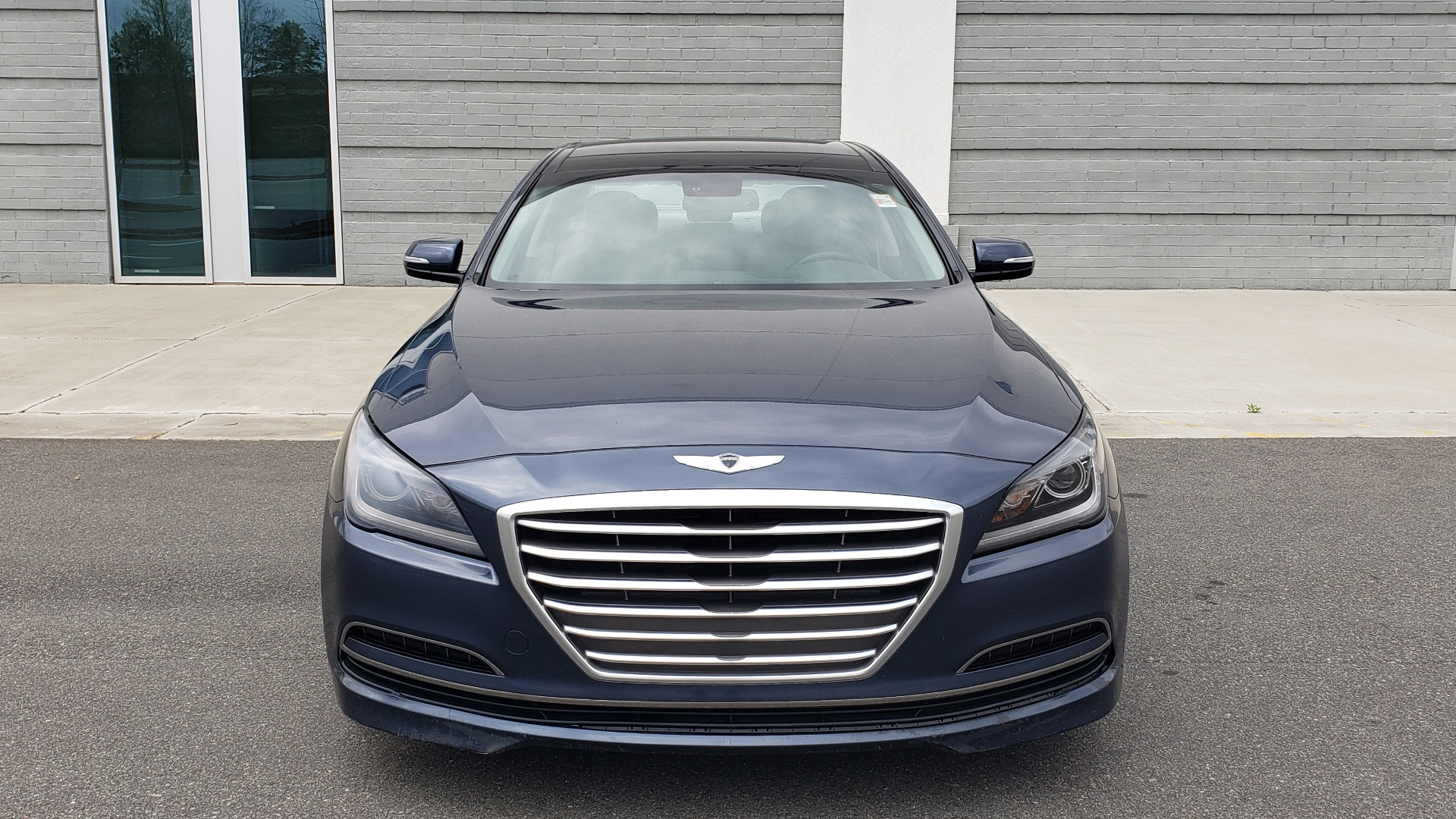 Used 2015 Hyundai GENESIS 3.8L V6 / RWD / SIGNATURE PKG / PANO-ROOF / REARVIEW for sale Sold at Formula Imports in Charlotte NC 28227 18