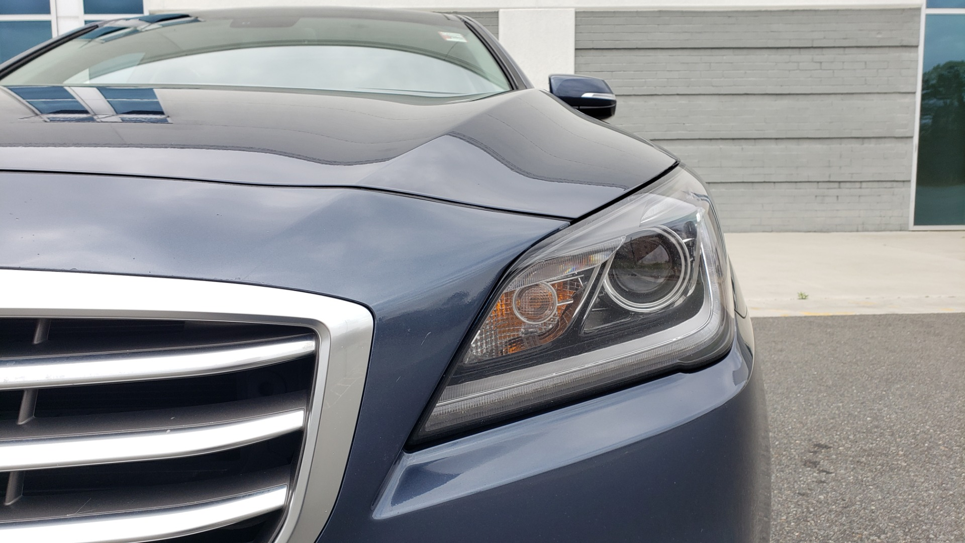 Used 2015 Hyundai GENESIS 3.8L V6 / RWD / SIGNATURE PKG / PANO-ROOF / REARVIEW for sale Sold at Formula Imports in Charlotte NC 28227 20