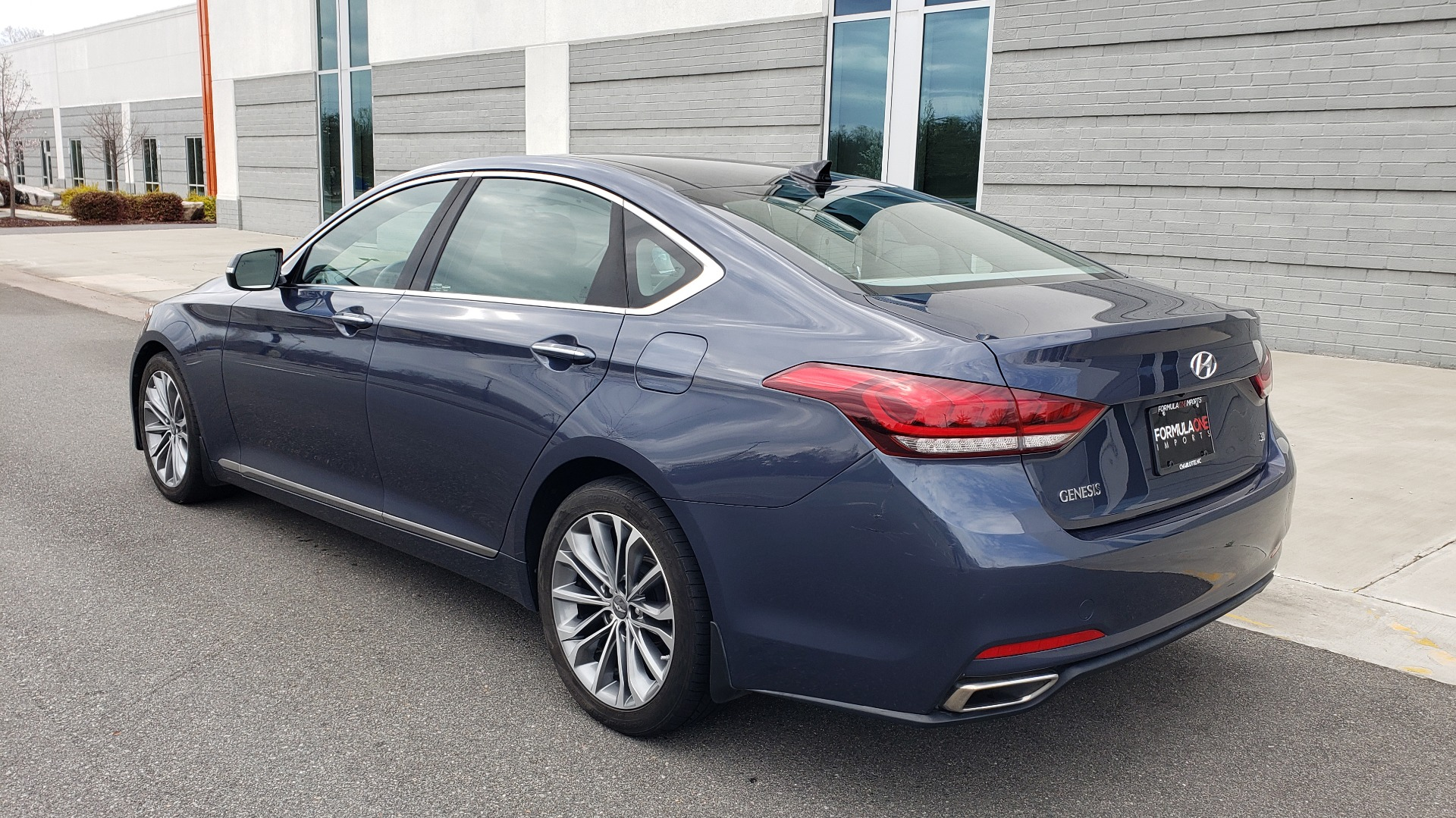 Used 2015 Hyundai GENESIS 3.8L V6 / RWD / SIGNATURE PKG / PANO-ROOF / REARVIEW for sale Sold at Formula Imports in Charlotte NC 28227 4