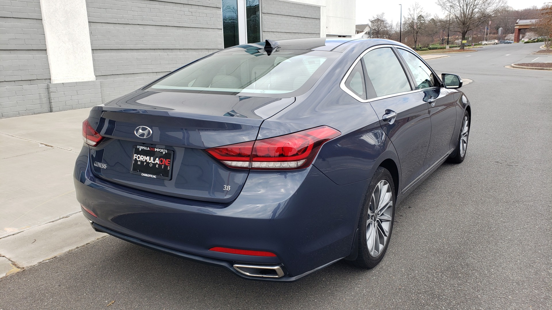 Used 2015 Hyundai GENESIS 3.8L V6 / RWD / SIGNATURE PKG / PANO-ROOF / REARVIEW for sale Sold at Formula Imports in Charlotte NC 28227 7