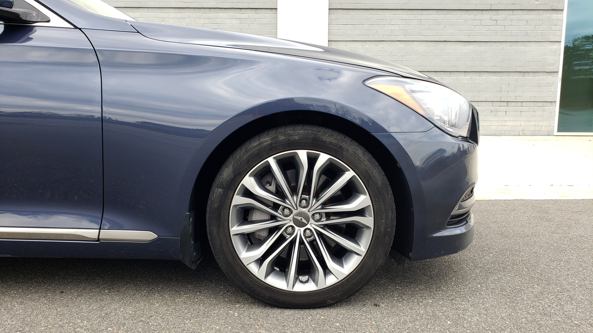 Used 2015 Hyundai GENESIS 3.8L V6 / RWD / SIGNATURE PKG / PANO-ROOF / REARVIEW for sale Sold at Formula Imports in Charlotte NC 28227 80