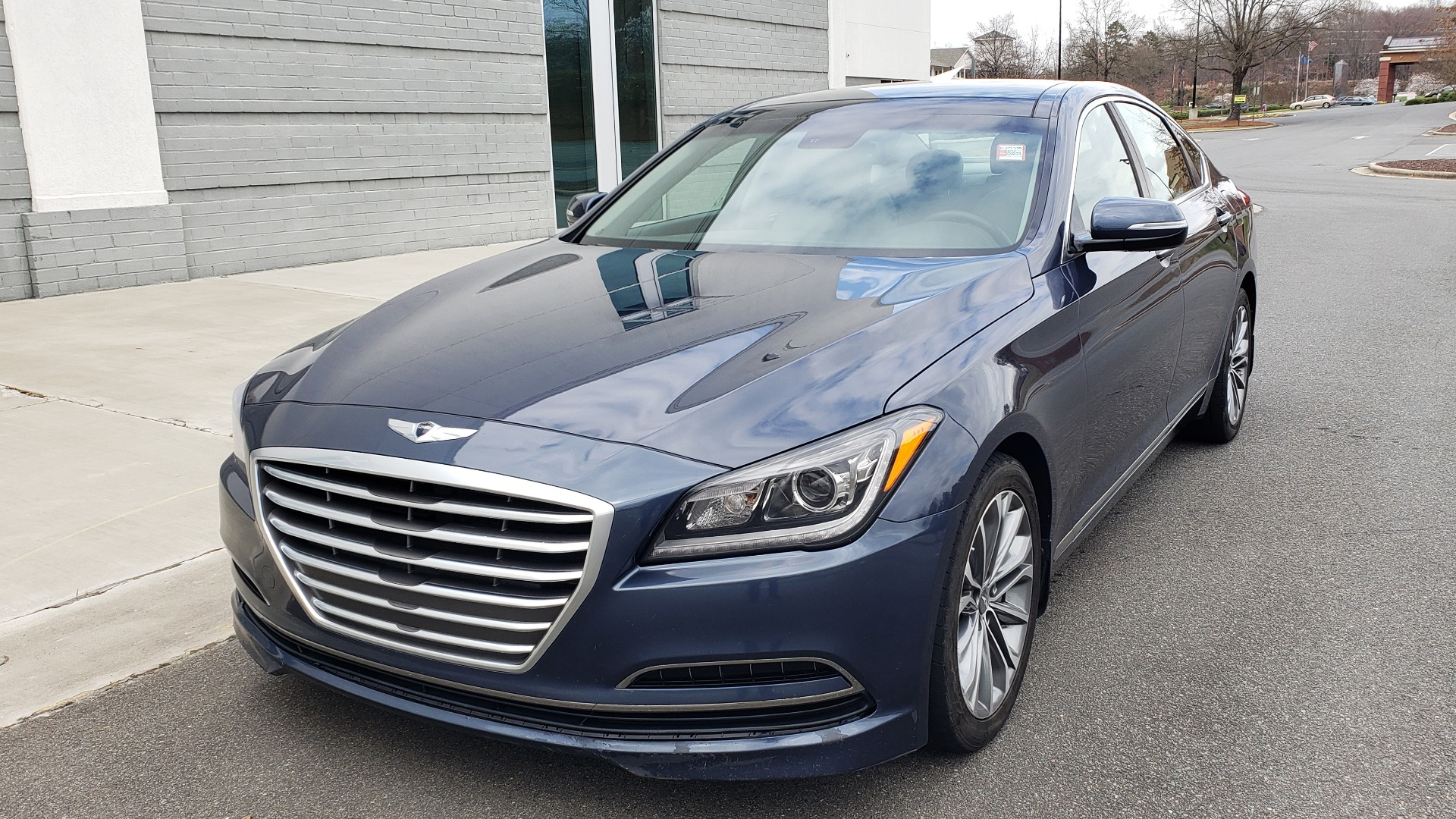 Used 2015 Hyundai GENESIS 3.8L V6 / RWD / SIGNATURE PKG / PANO-ROOF / REARVIEW for sale Sold at Formula Imports in Charlotte NC 28227 1