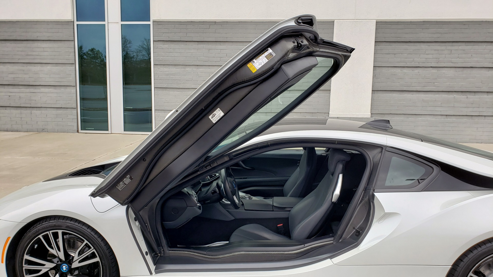 Used 2016 BMW i8 COUPE / GIGA WORLD / NAV / HUD / 20IN WHEELS / REARVIEW for sale Sold at Formula Imports in Charlotte NC 28227 13