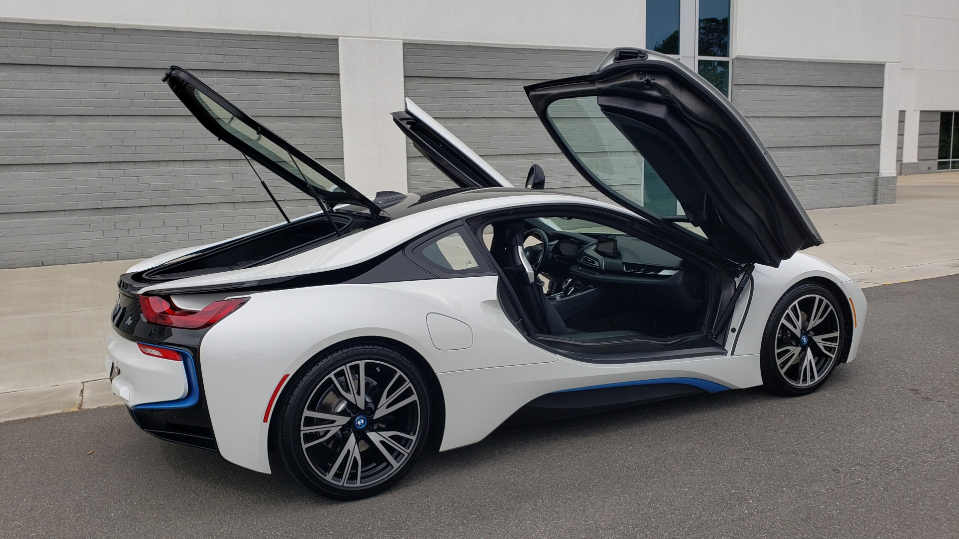 Used 2016 BMW i8 COUPE / GIGA WORLD / NAV / HUD / 20IN WHEELS / REARVIEW for sale Sold at Formula Imports in Charlotte NC 28227 16