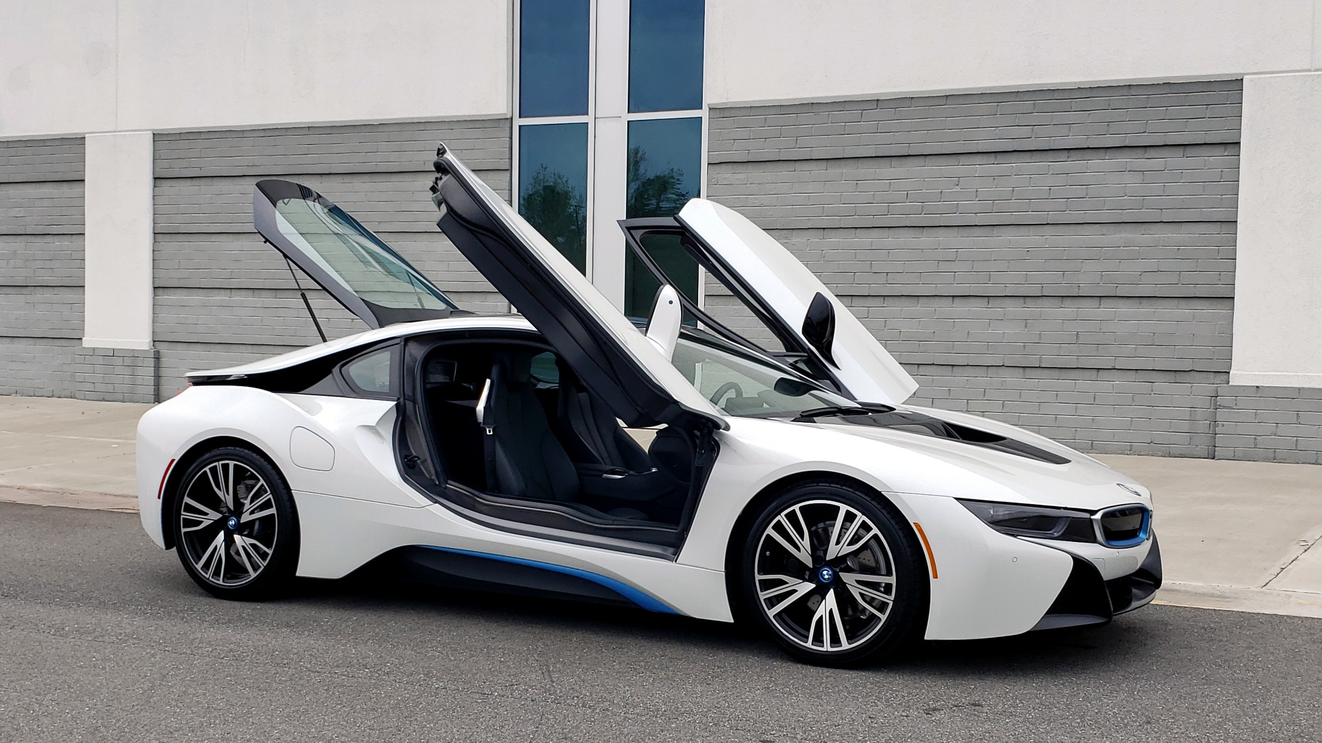 Used 2016 BMW i8 COUPE / GIGA WORLD / NAV / HUD / 20IN WHEELS / REARVIEW for sale Sold at Formula Imports in Charlotte NC 28227 18