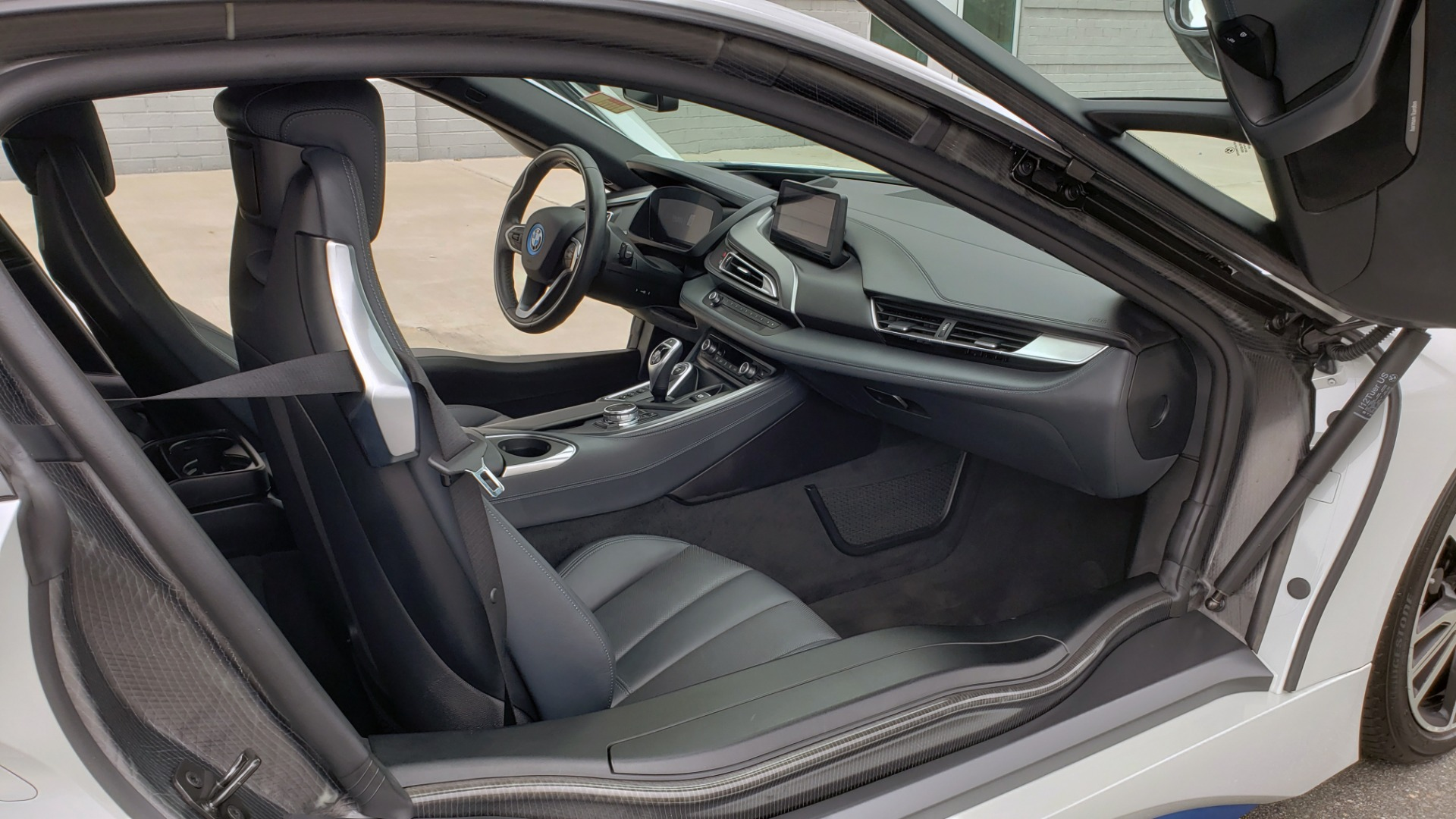 Used 2016 BMW i8 COUPE / GIGA WORLD / NAV / HUD / 20IN WHEELS / REARVIEW for sale Sold at Formula Imports in Charlotte NC 28227 19