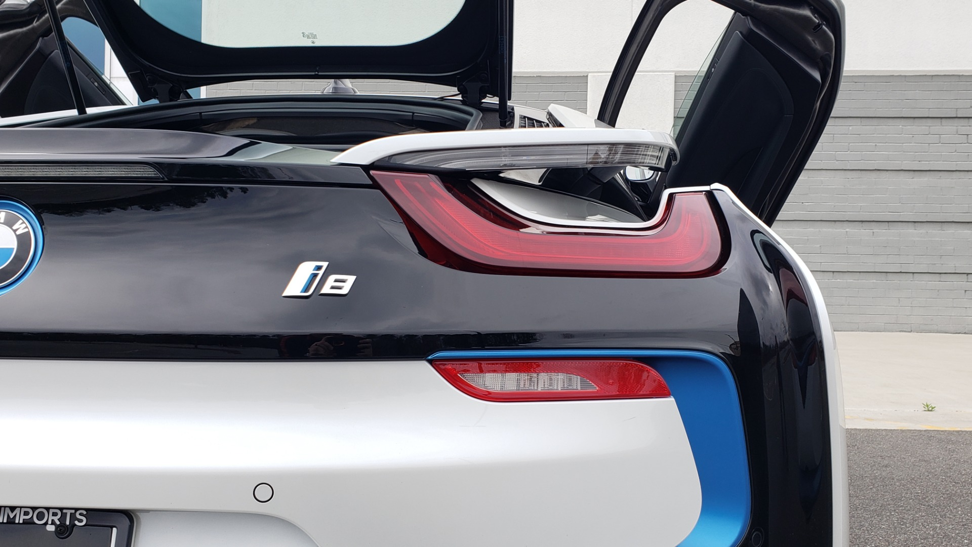 Used 2016 BMW i8 COUPE / GIGA WORLD / NAV / HUD / 20IN WHEELS / REARVIEW for sale Sold at Formula Imports in Charlotte NC 28227 33