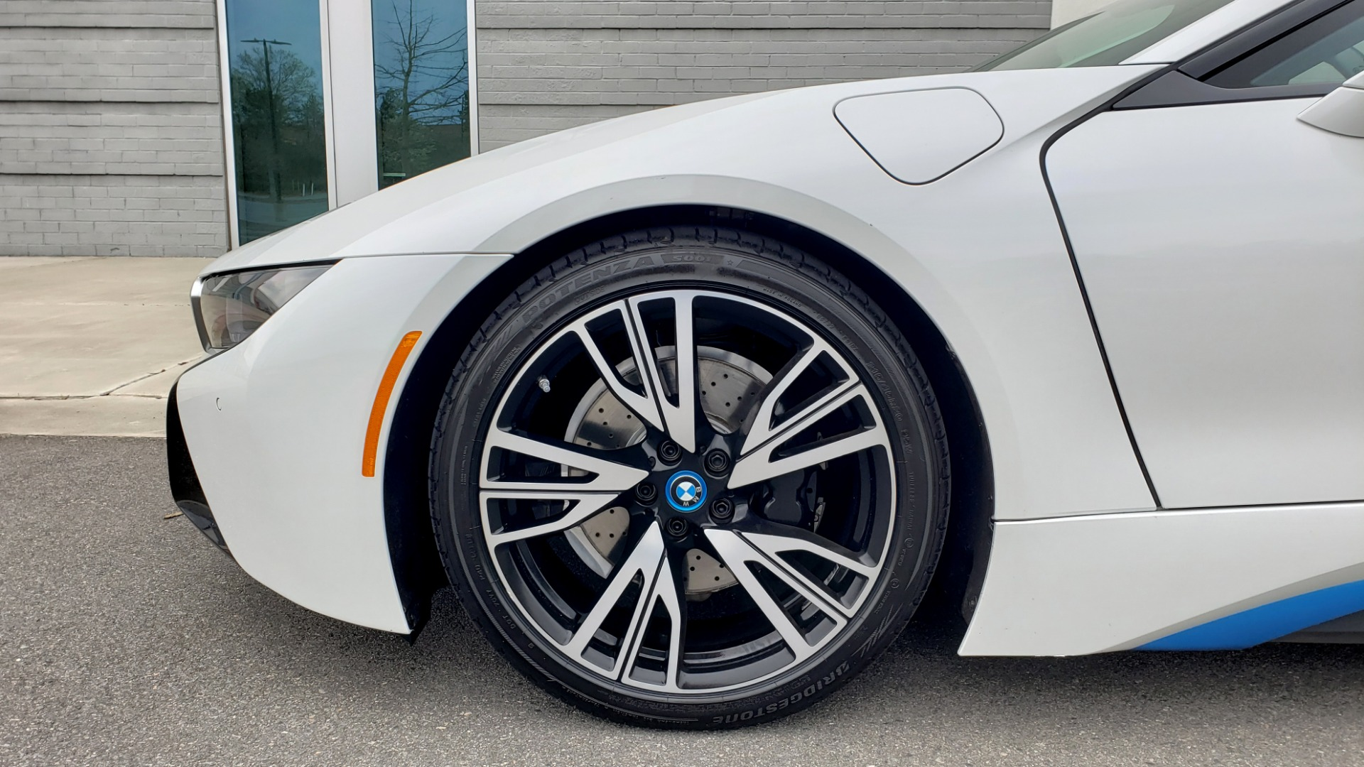 Used 2016 BMW i8 COUPE / GIGA WORLD / NAV / HUD / 20IN WHEELS / REARVIEW for sale Sold at Formula Imports in Charlotte NC 28227 71