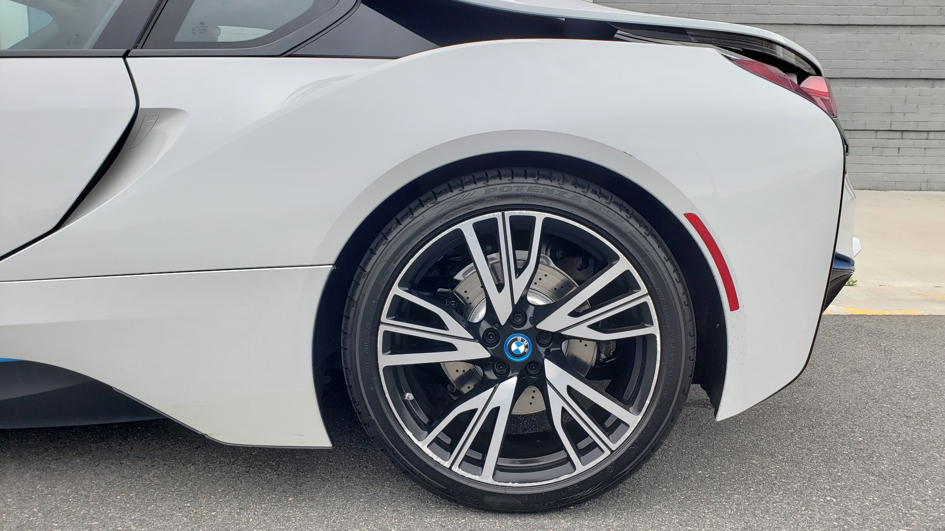 Used 2016 BMW i8 COUPE / GIGA WORLD / NAV / HUD / 20IN WHEELS / REARVIEW for sale Sold at Formula Imports in Charlotte NC 28227 72