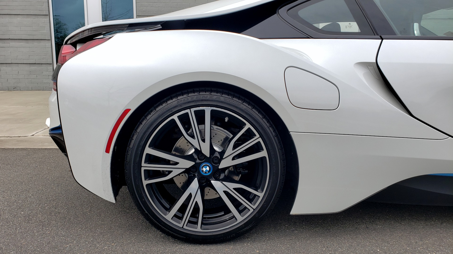 Used 2016 BMW i8 COUPE / GIGA WORLD / NAV / HUD / 20IN WHEELS / REARVIEW for sale Sold at Formula Imports in Charlotte NC 28227 73