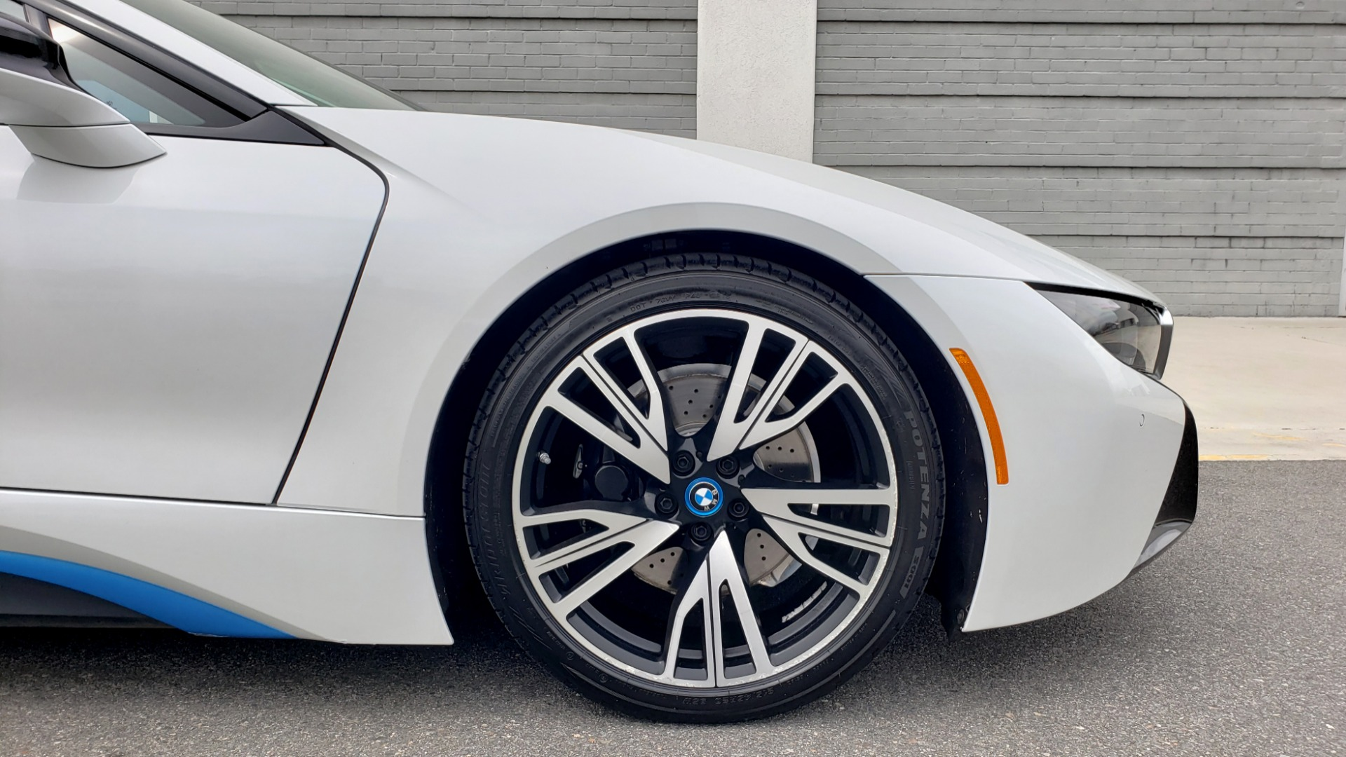 Used 2016 BMW i8 COUPE / GIGA WORLD / NAV / HUD / 20IN WHEELS / REARVIEW for sale Sold at Formula Imports in Charlotte NC 28227 74