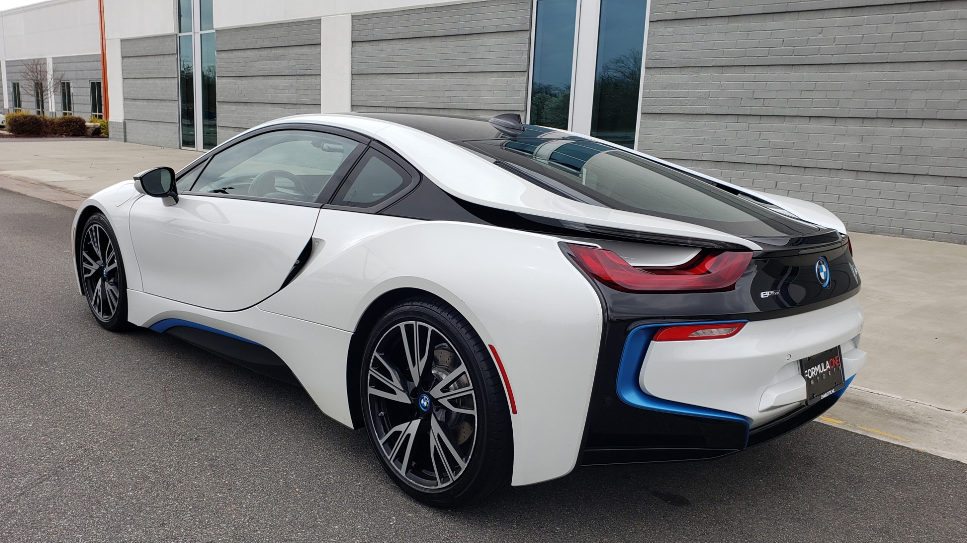 Used 2016 BMW i8 COUPE / GIGA WORLD / NAV / HUD / 20IN WHEELS / REARVIEW for sale Sold at Formula Imports in Charlotte NC 28227 8