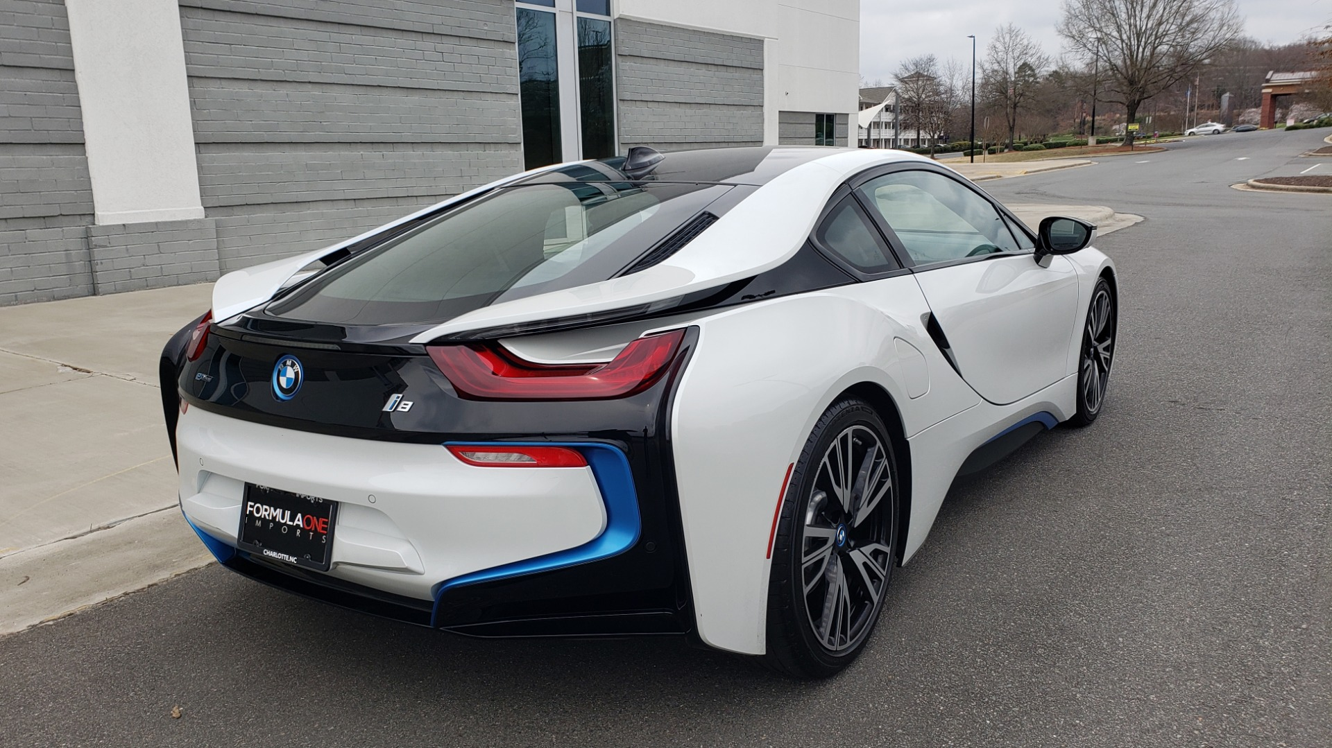 Used 2016 BMW i8 COUPE / GIGA WORLD / NAV / HUD / 20IN WHEELS / REARVIEW for sale Sold at Formula Imports in Charlotte NC 28227 9