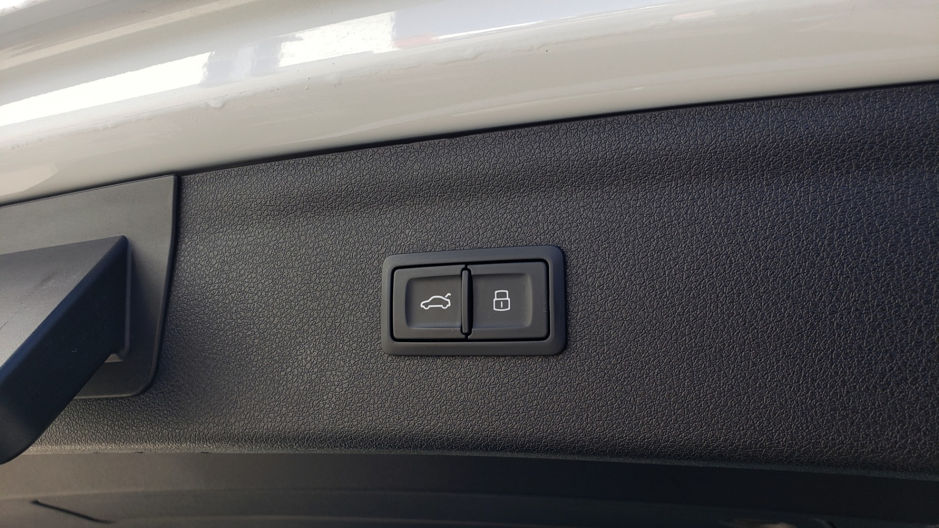 Used 2018 Audi Q3 PREMIUM PLUS 2.0T / SPORT PKG / NAV / BOSE / SUNROOF / REARVIEW for sale Sold at Formula Imports in Charlotte NC 28227 18