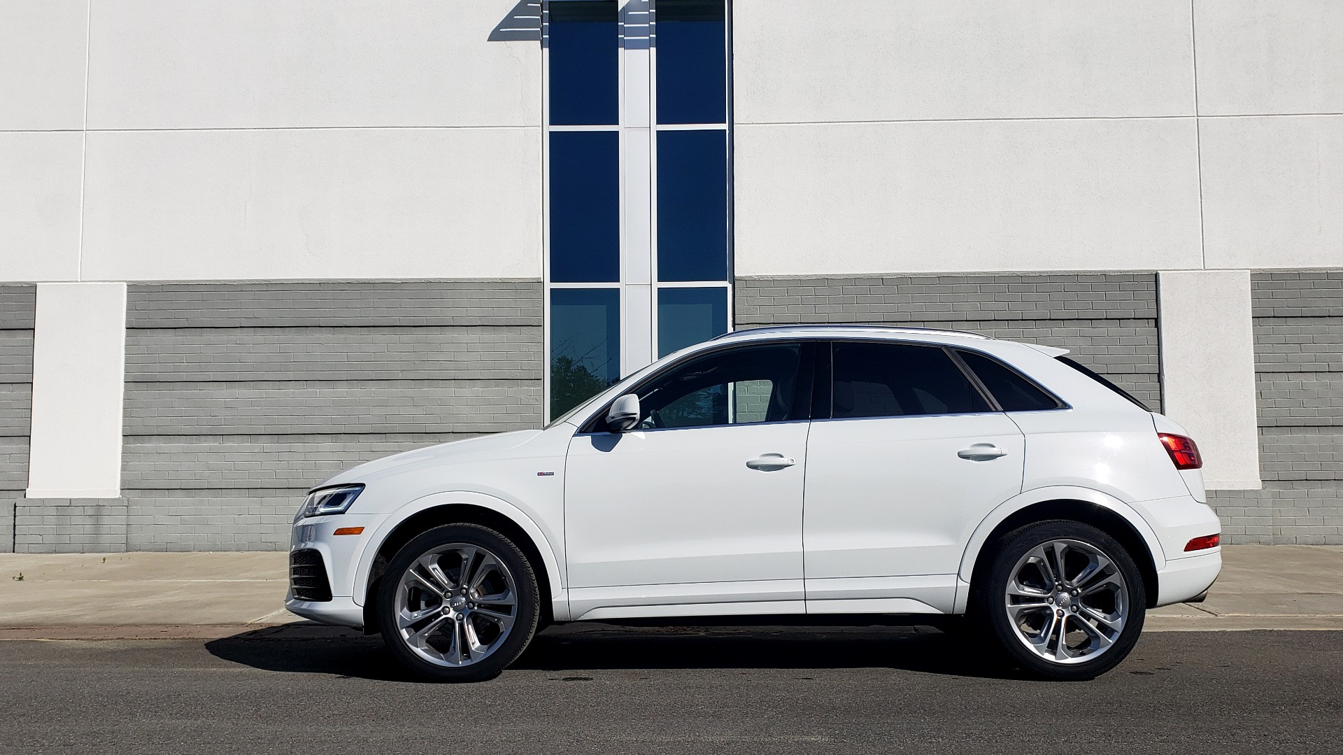 Used 2018 Audi Q3 PREMIUM PLUS 2.0T / SPORT PKG / NAV / BOSE / SUNROOF / REARVIEW for sale Sold at Formula Imports in Charlotte NC 28227 2
