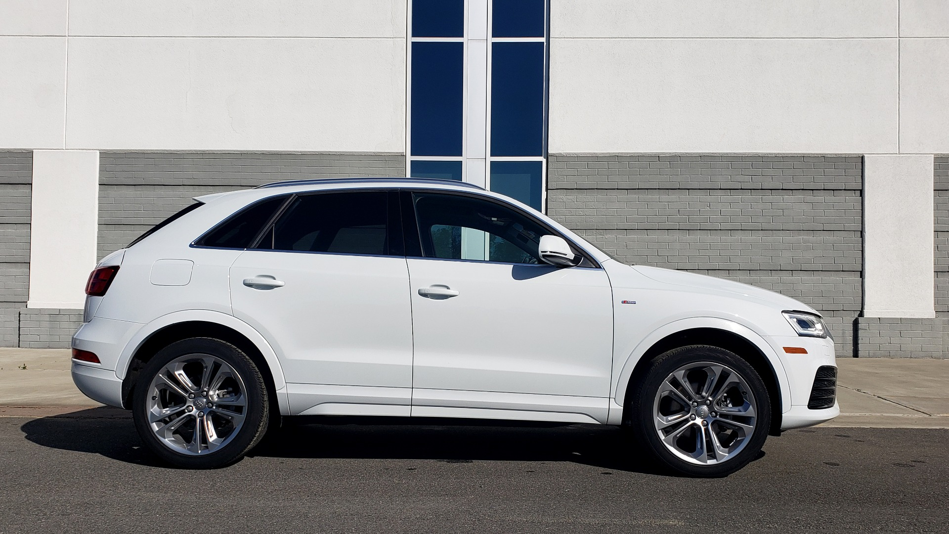 Used 2018 Audi Q3 PREMIUM PLUS 2.0T / SPORT PKG / NAV / BOSE / SUNROOF / REARVIEW for sale Sold at Formula Imports in Charlotte NC 28227 5