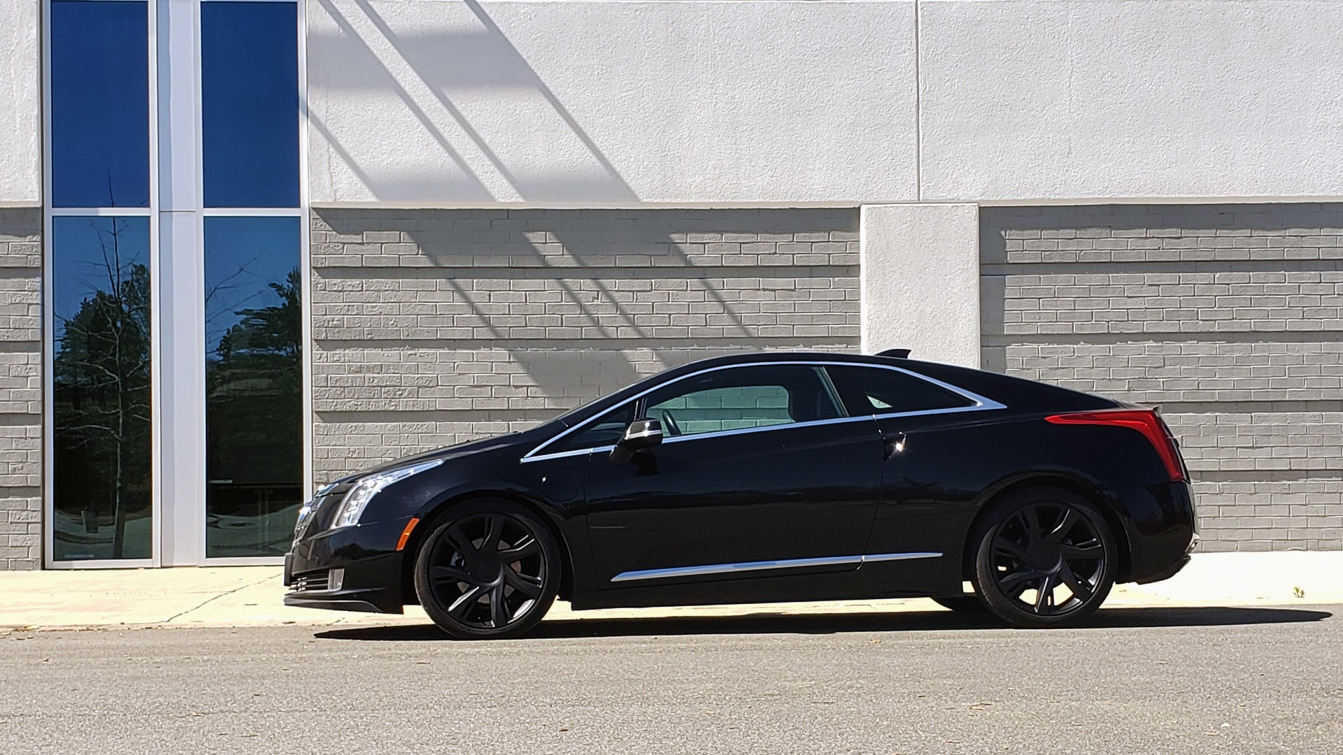 Used 2014 Cadillac ELR 2DR COUPE / HYBRID / NAV / BOSE / HEATED SEATS / REARVIEW for sale $19,995 at Formula Imports in Charlotte NC 28227 3