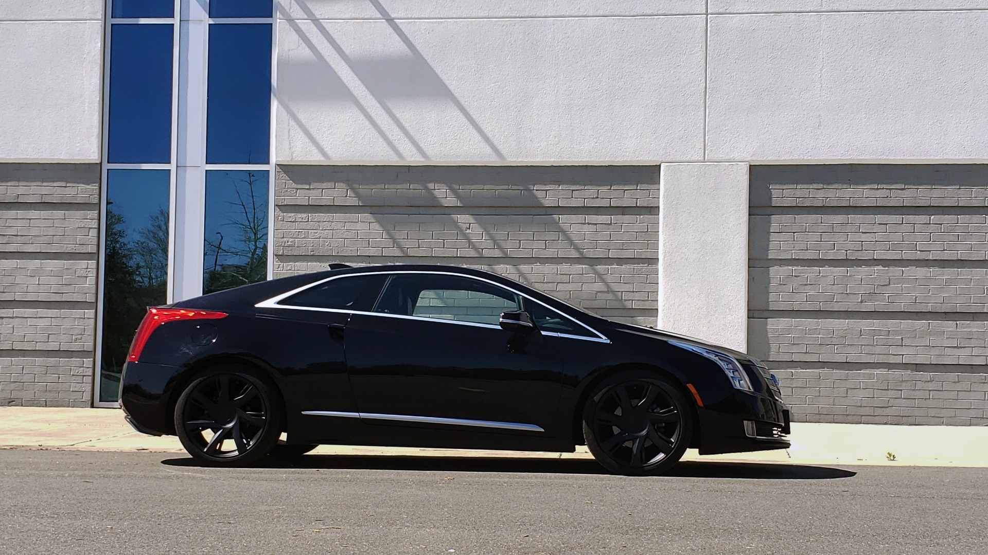 Used 2014 Cadillac ELR 2DR COUPE / HYBRID / NAV / BOSE / HEATED SEATS / REARVIEW for sale $19,995 at Formula Imports in Charlotte NC 28227 6