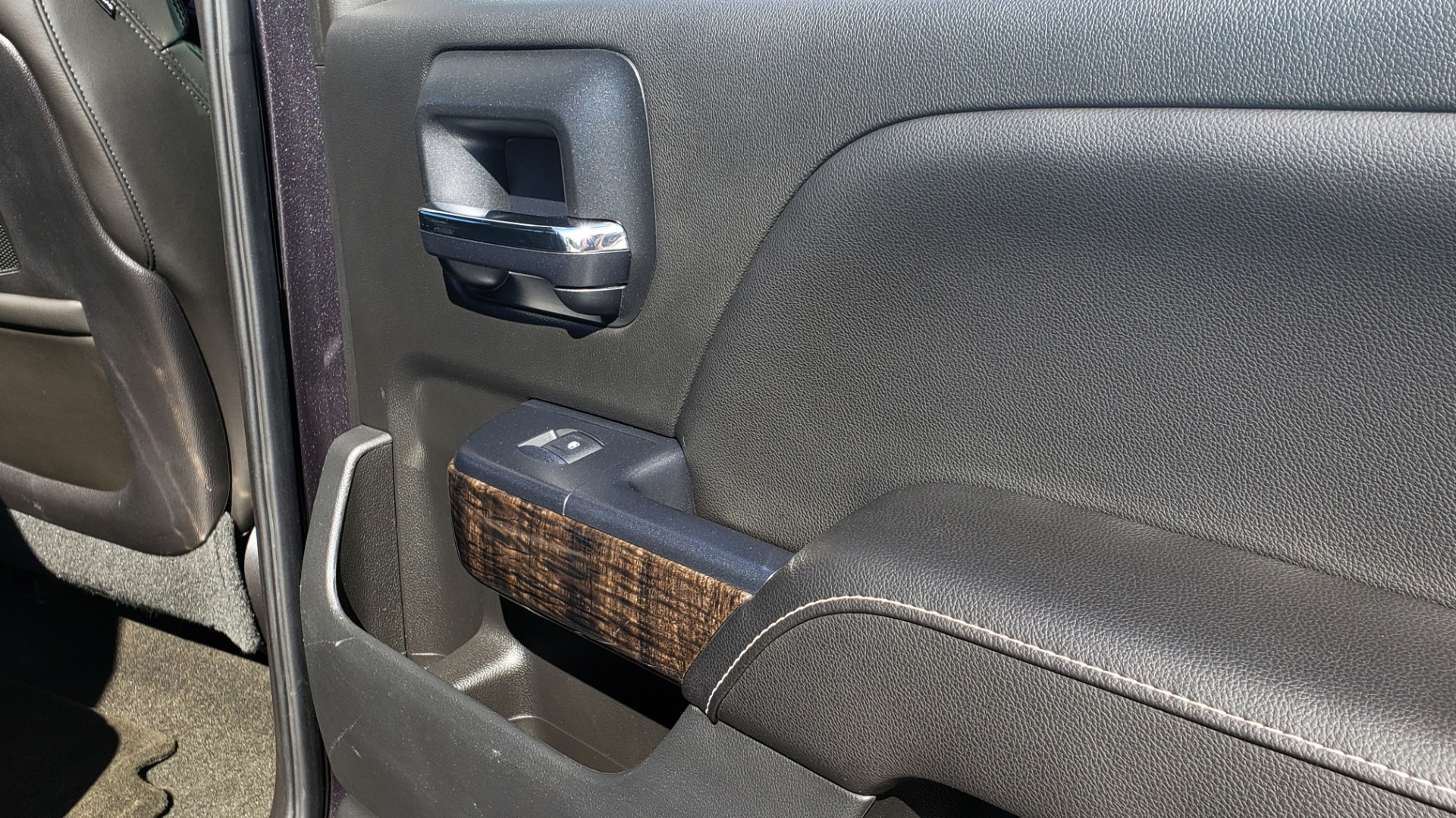 Used 2015 GMC SIERRA 2500HD DENALI 4WD CREWCAB / 6.6L DURAMAX / 6-SPD AUTO / NAV / BOSE for sale $50,995 at Formula Imports in Charlotte NC 28227 80