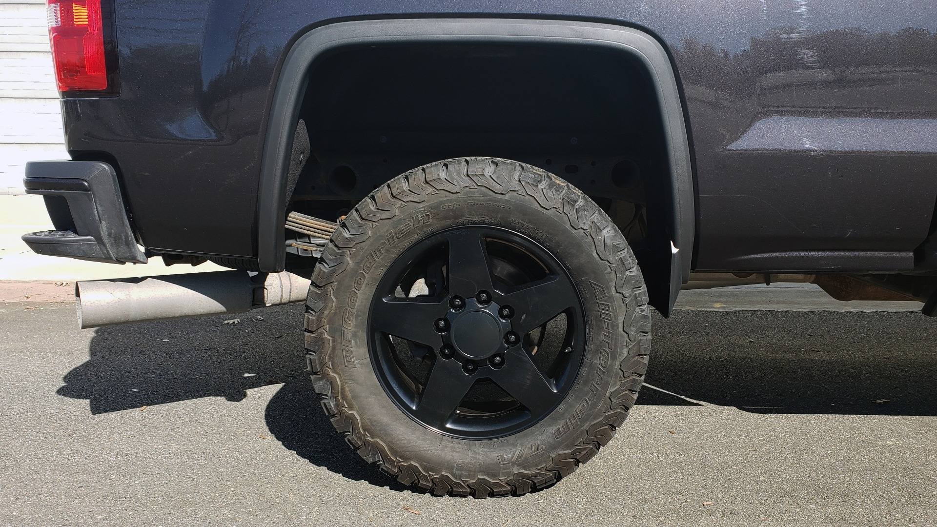 Used 2015 GMC SIERRA 2500HD DENALI 4WD CREWCAB / 6.6L DURAMAX / 6-SPD AUTO / NAV / BOSE for sale $50,995 at Formula Imports in Charlotte NC 28227 90