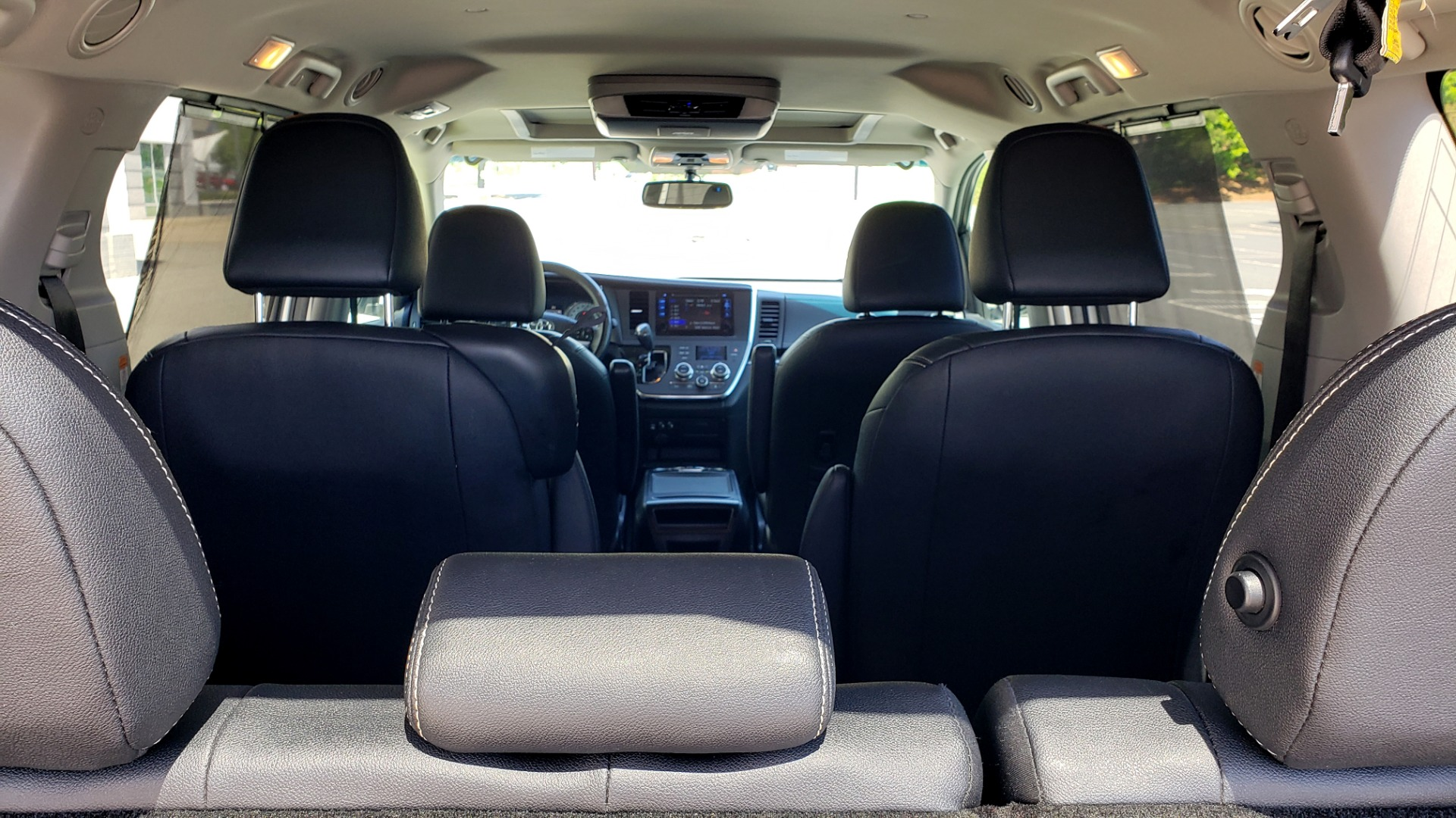 Used 2015 Toyota SIENNA SE 3.5L / FWD / 3-ROWS / 8-PASS / SUNROOF / DVD / REARVIEW for sale $21,995 at Formula Imports in Charlotte NC 28227 20