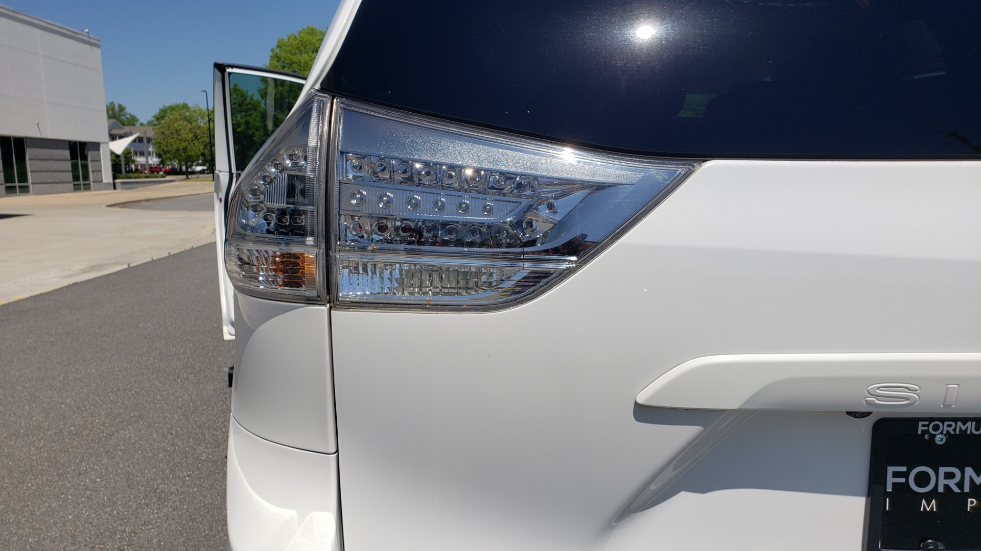 Used 2015 Toyota SIENNA SE 3.5L / FWD / 3-ROWS / 8-PASS / SUNROOF / DVD / REARVIEW for sale $21,995 at Formula Imports in Charlotte NC 28227 30