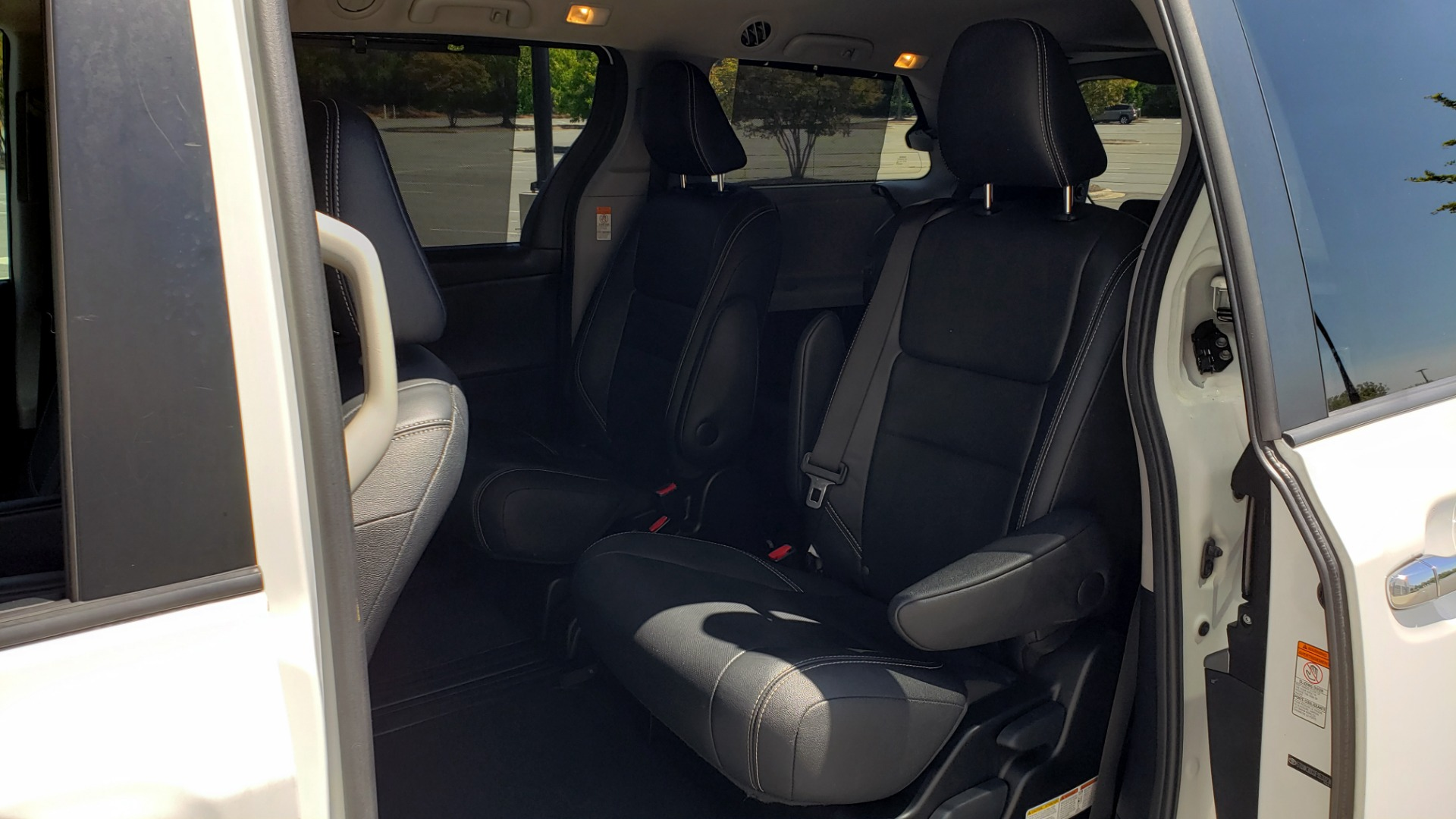 Used 2015 Toyota SIENNA SE 3.5L / FWD / 3-ROWS / 8-PASS / SUNROOF / DVD / REARVIEW for sale $21,995 at Formula Imports in Charlotte NC 28227 56