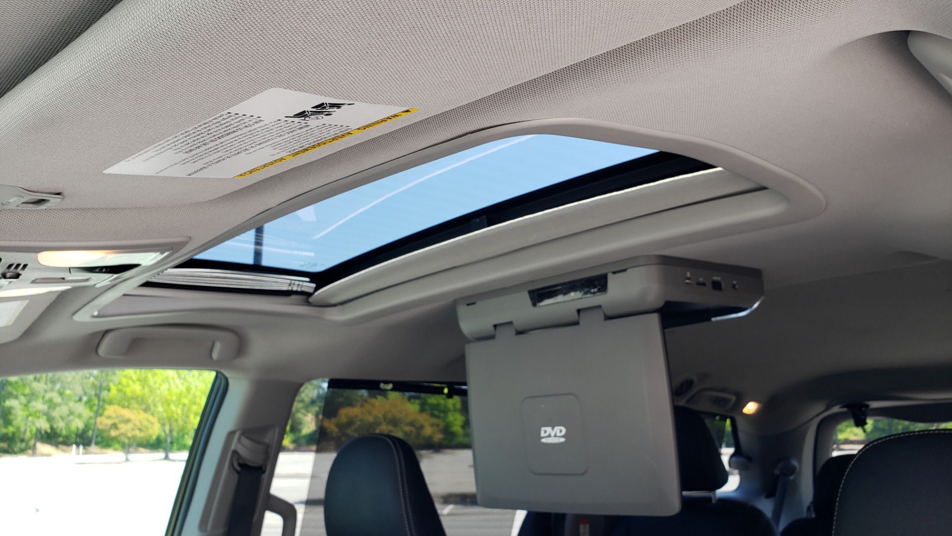 Used 2015 Toyota SIENNA SE 3.5L / FWD / 3-ROWS / 8-PASS / SUNROOF / DVD / REARVIEW for sale $21,995 at Formula Imports in Charlotte NC 28227 59