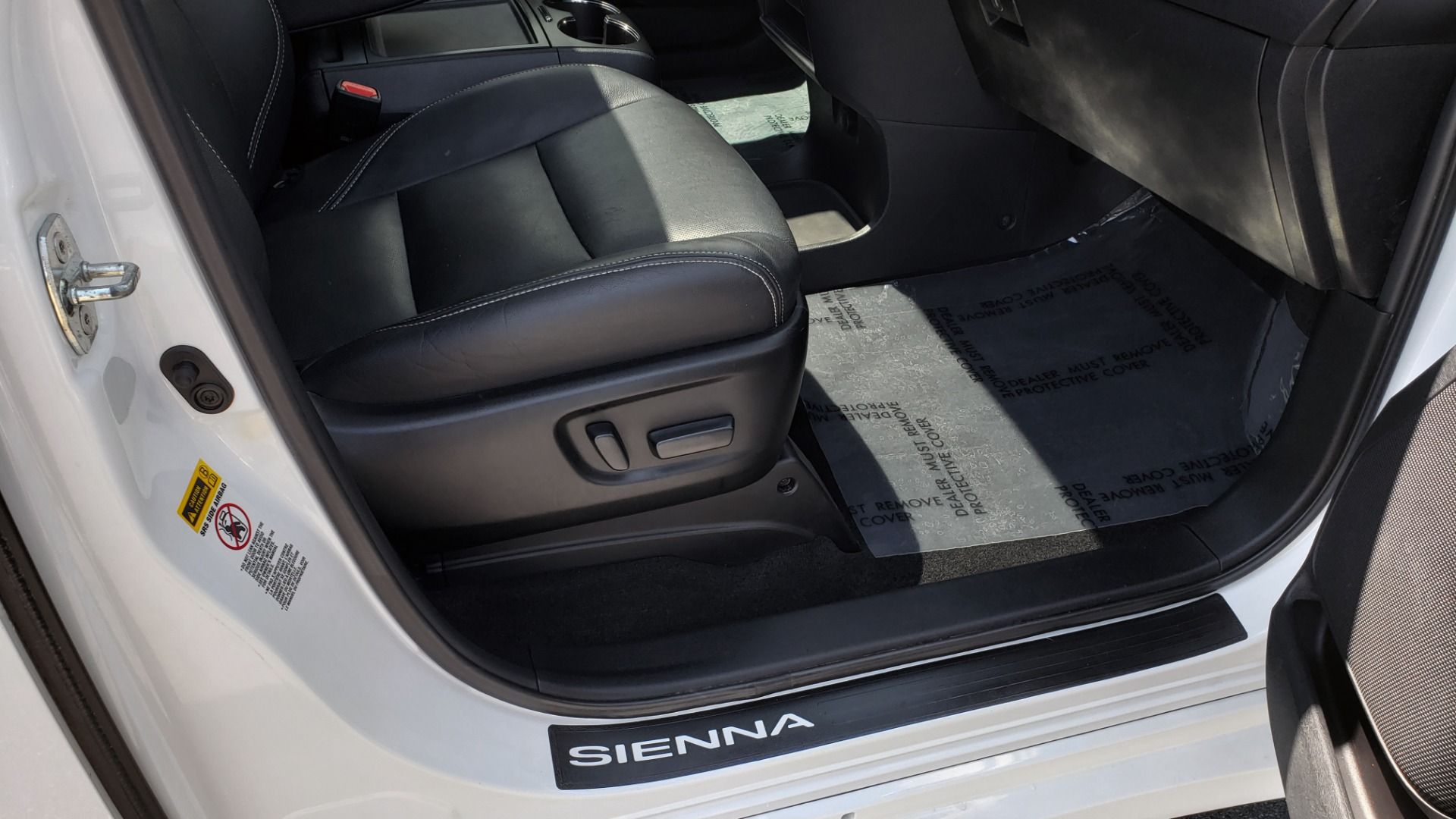Used 2015 Toyota SIENNA SE 3.5L / FWD / 3-ROWS / 8-PASS / SUNROOF / DVD / REARVIEW for sale $21,995 at Formula Imports in Charlotte NC 28227 62