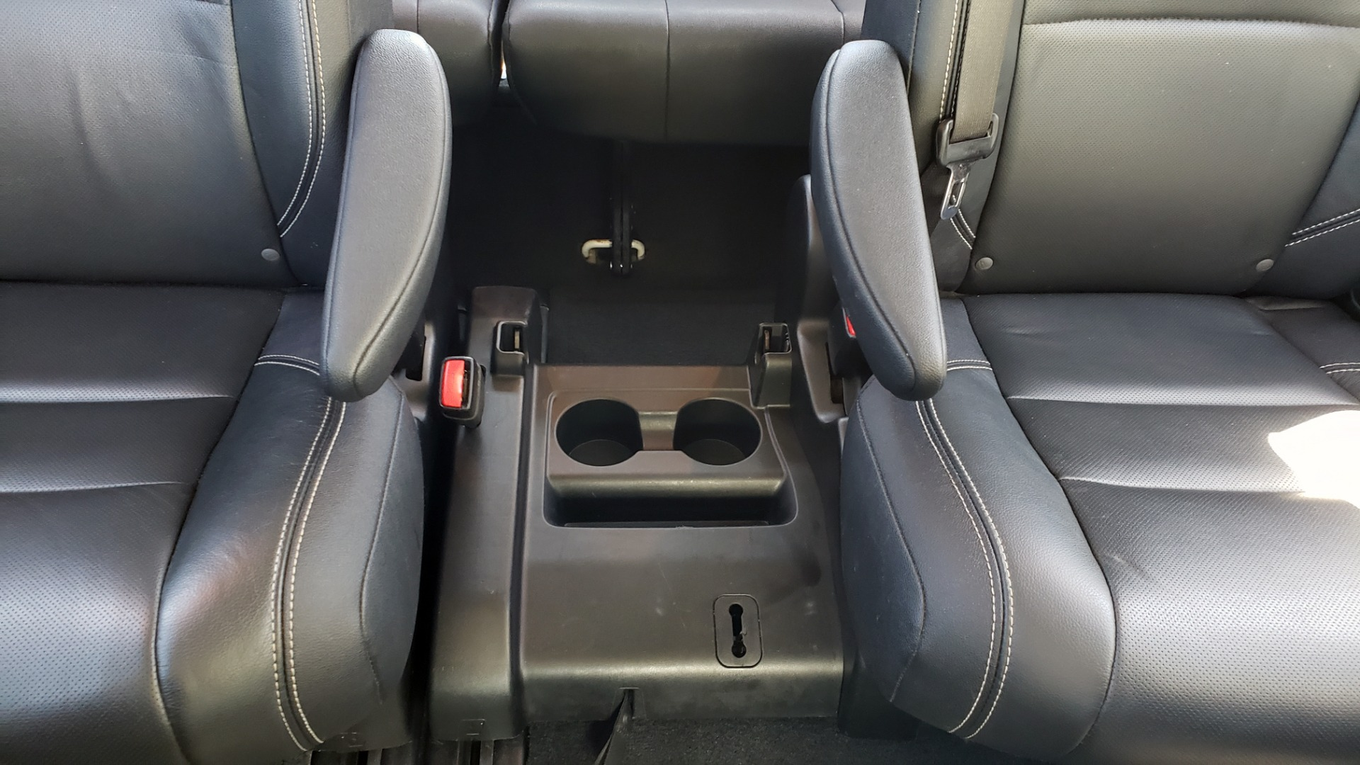 Used 2015 Toyota SIENNA SE 3.5L / FWD / 3-ROWS / 8-PASS / SUNROOF / DVD / REARVIEW for sale $21,995 at Formula Imports in Charlotte NC 28227 73