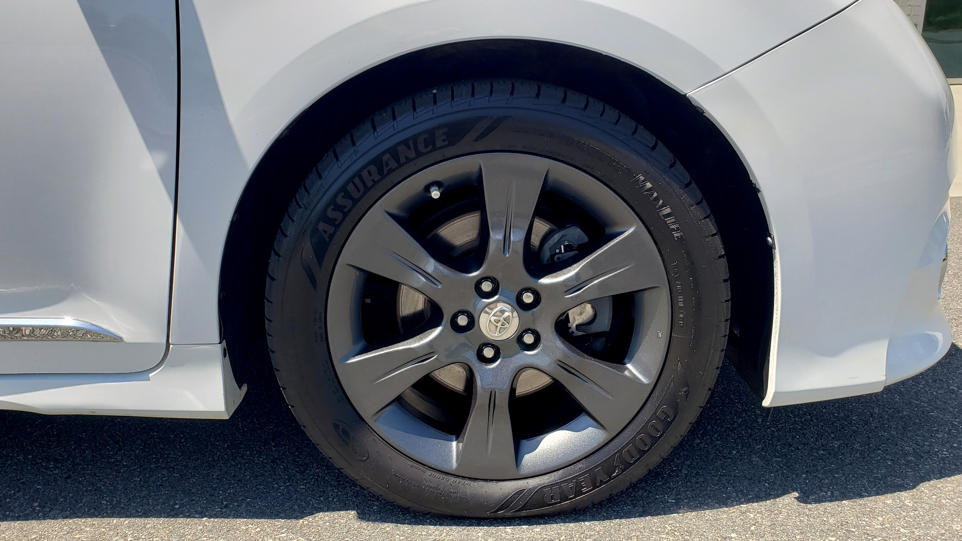 Used 2015 Toyota SIENNA SE 3.5L / FWD / 3-ROWS / 8-PASS / SUNROOF / DVD / REARVIEW for sale $21,995 at Formula Imports in Charlotte NC 28227 77