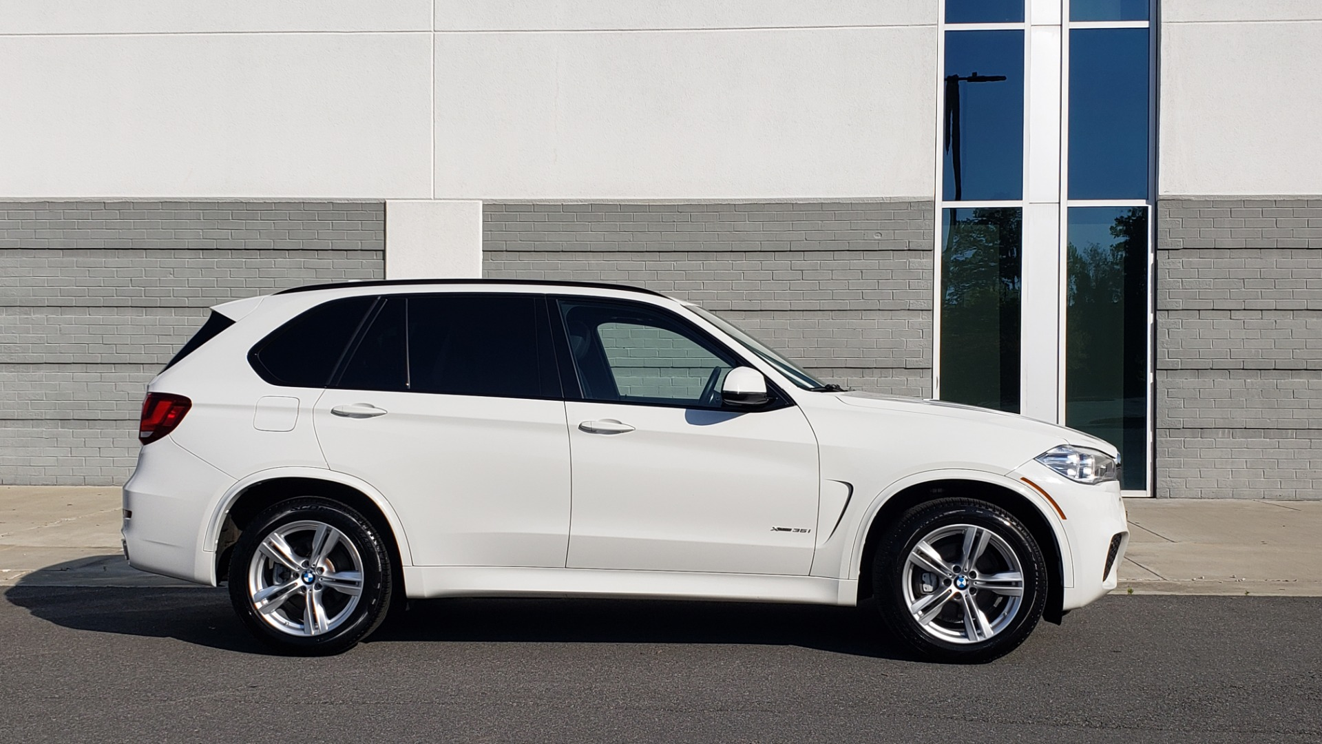 Used 2018 BMW X5 XDRIVE35I / M-SPORT / NAV / SUNROOF / H/K SND / REARVIEW for sale Sold at Formula Imports in Charlotte NC 28227 3