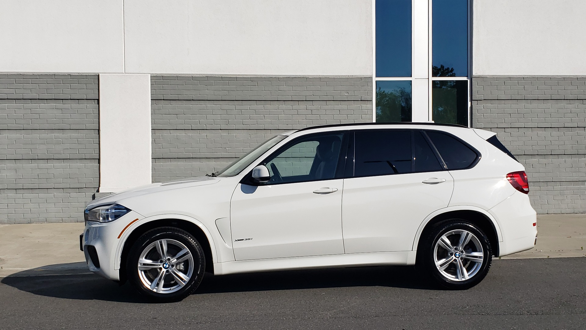 Used 2018 BMW X5 XDRIVE35I / M-SPORT / NAV / SUNROOF / H/K SND / REARVIEW for sale Sold at Formula Imports in Charlotte NC 28227 6