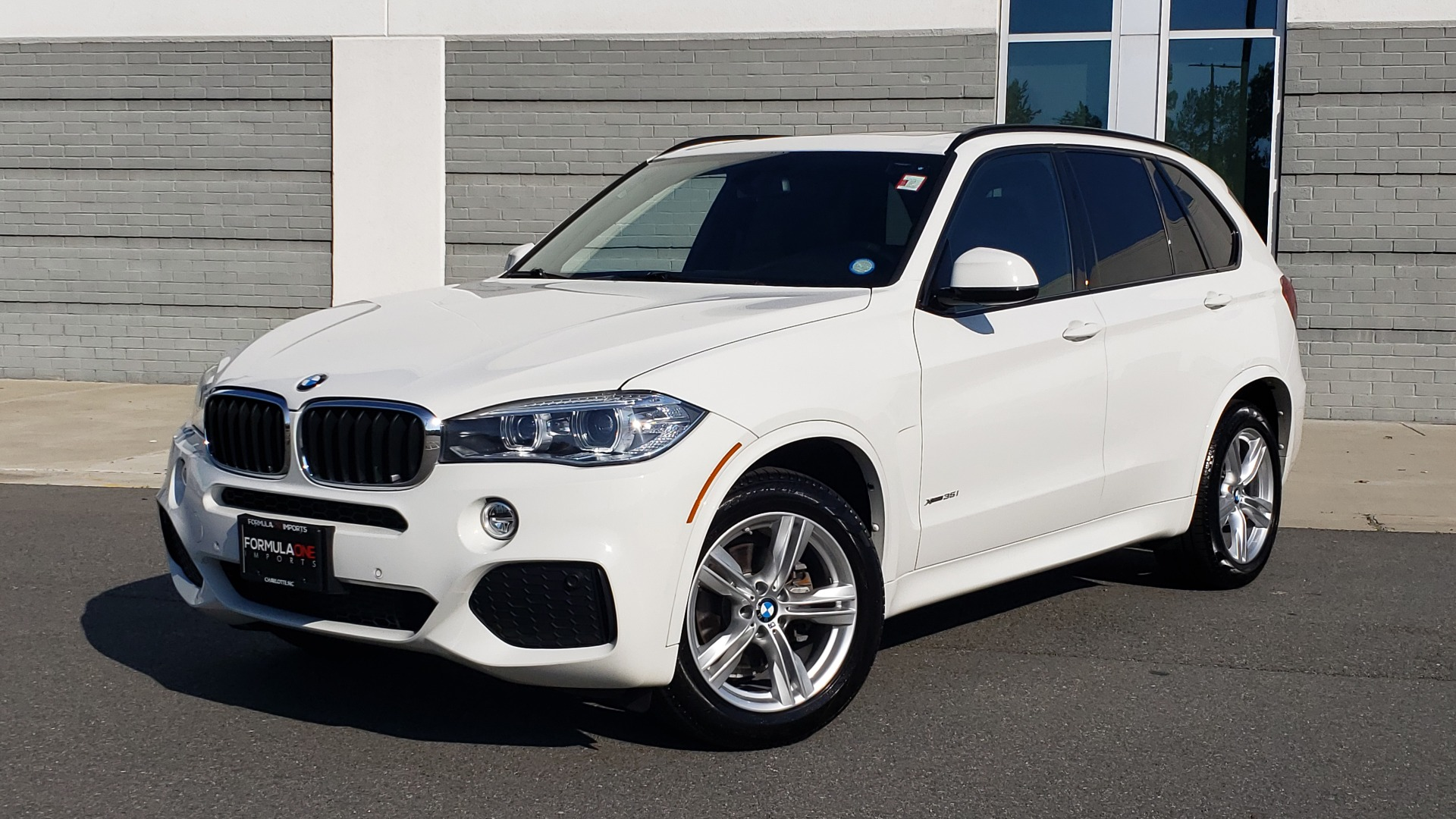 Used 2018 BMW X5 XDRIVE35I / M-SPORT / NAV / SUNROOF / H/K SND / REARVIEW for sale $39,995 at Formula Imports in Charlotte NC 28227 1